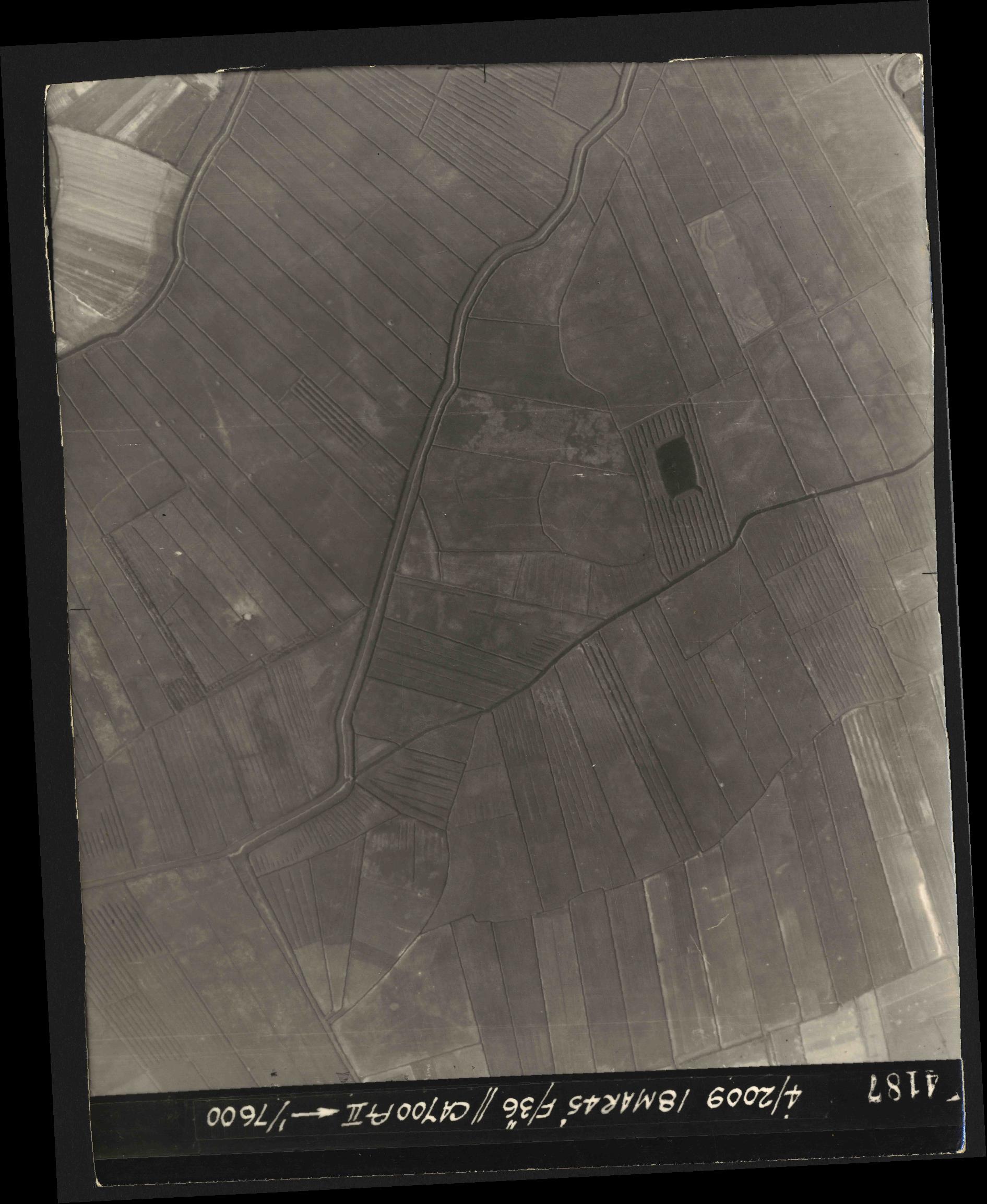 Collection RAF aerial photos 1940-1945 - flight 017, run 10, photo 4187