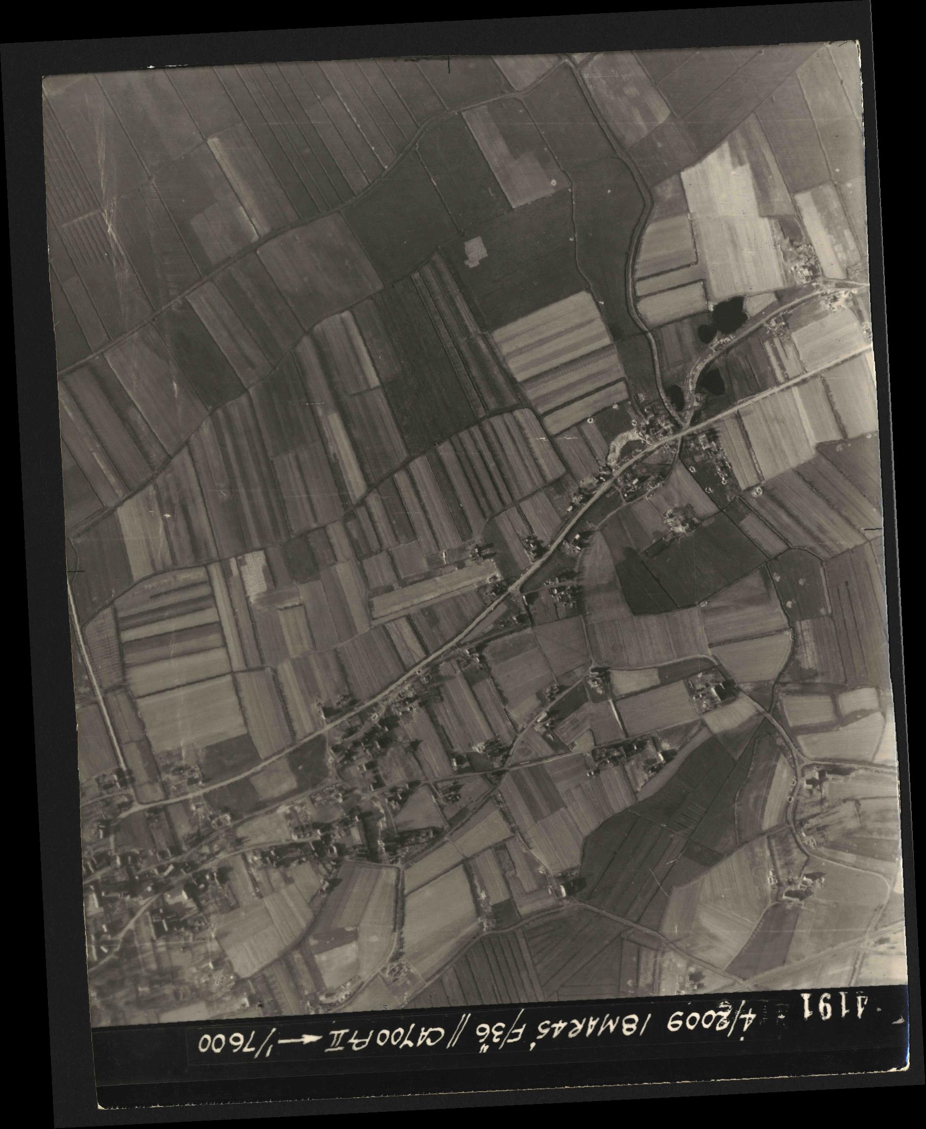 Collection RAF aerial photos 1940-1945 - flight 017, run 10, photo 4191