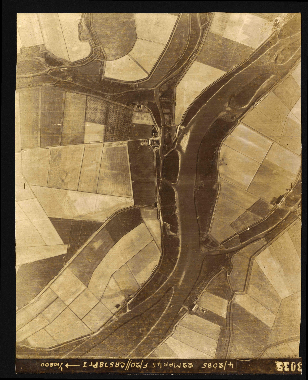 Collection RAF aerial photos 1940-1945 - flight 021, run 03, photo 3035