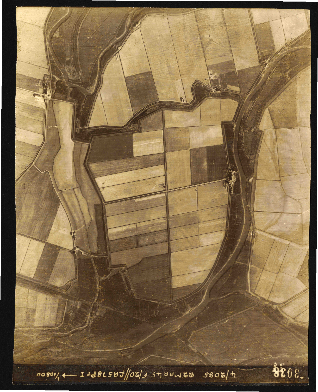 Collection RAF aerial photos 1940-1945 - flight 021, run 03, photo 3038