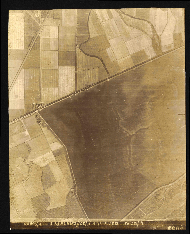 Collection RAF aerial photos 1940-1945 - flight 021, run 03, photo 3055