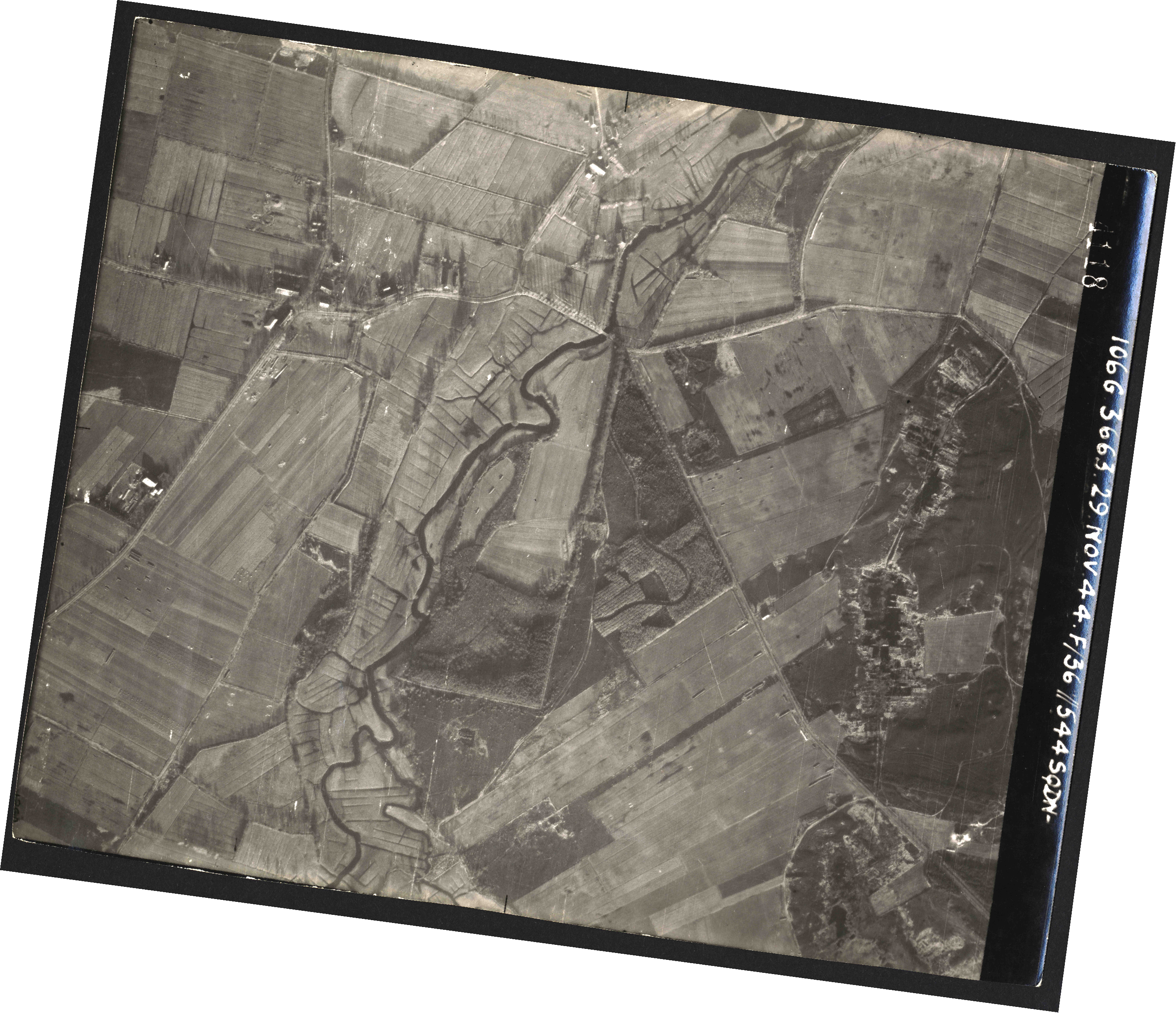 Collection RAF aerial photos 1940-1945 - flight 025, run 02, photo 4118