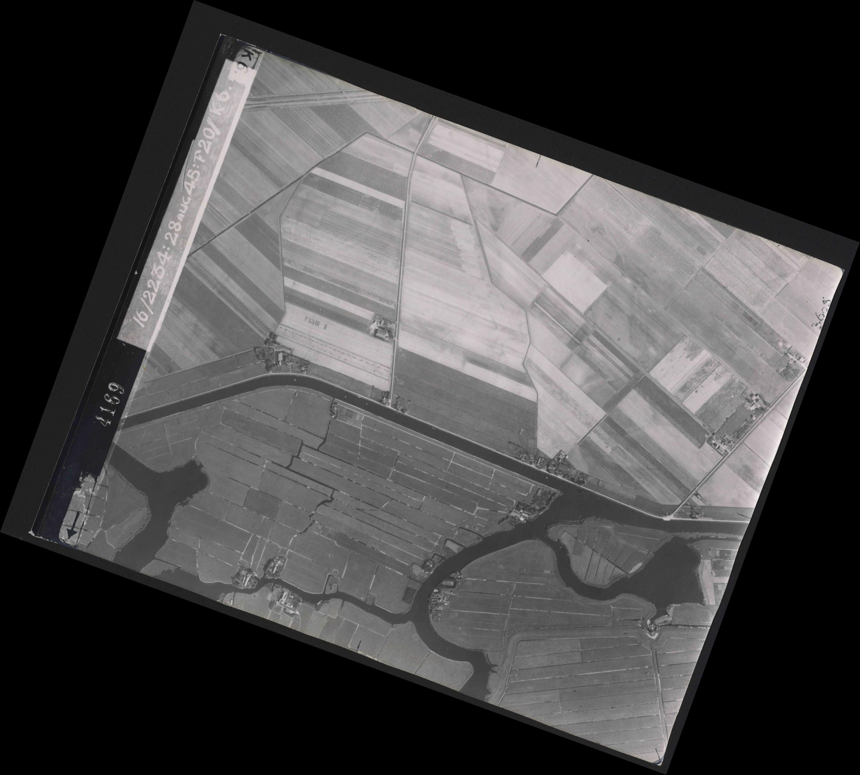 Collection RAF aerial photos 1940-1945 - flight 031, run 01, photo 4169