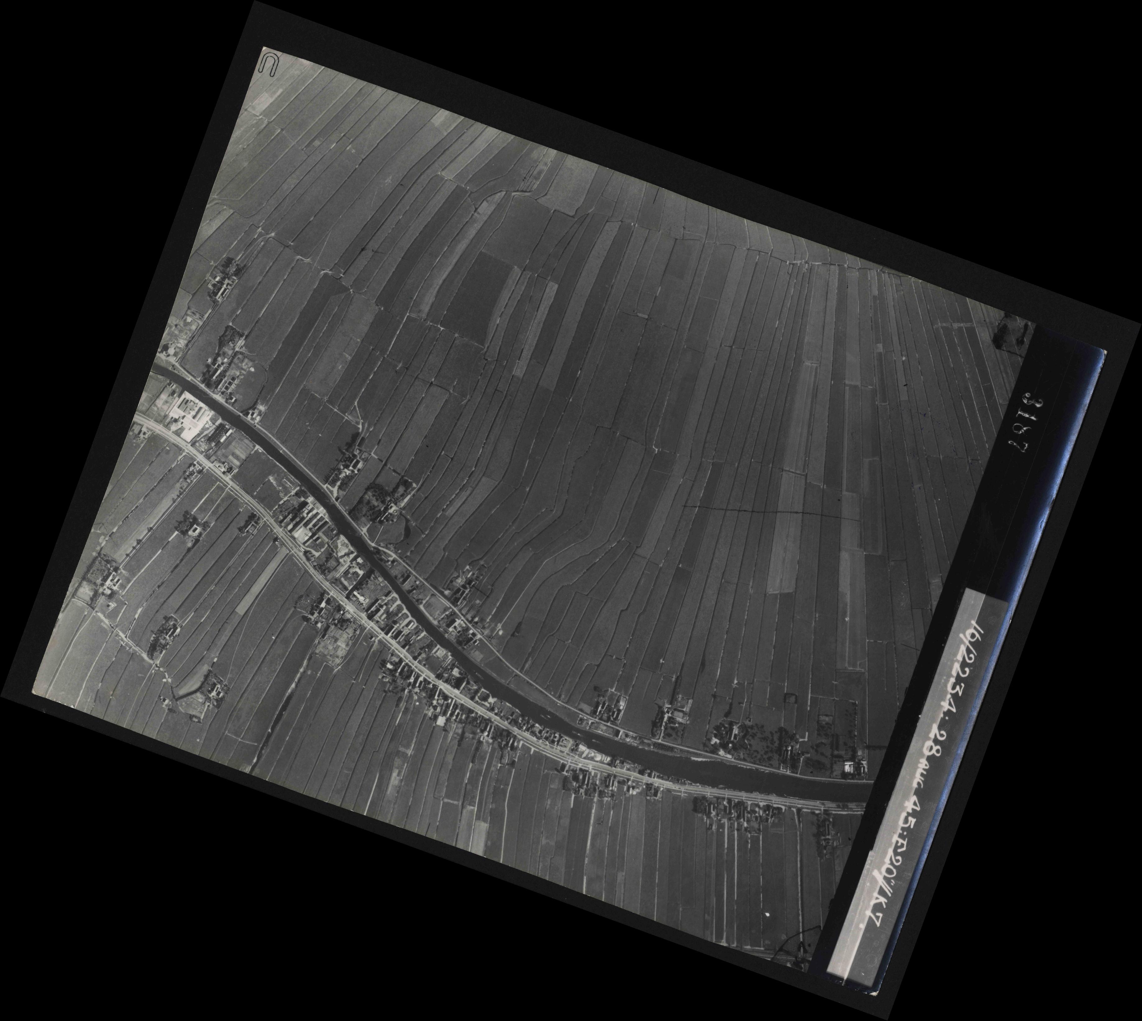 Collection RAF aerial photos 1940-1945 - flight 031, run 02, photo 3187