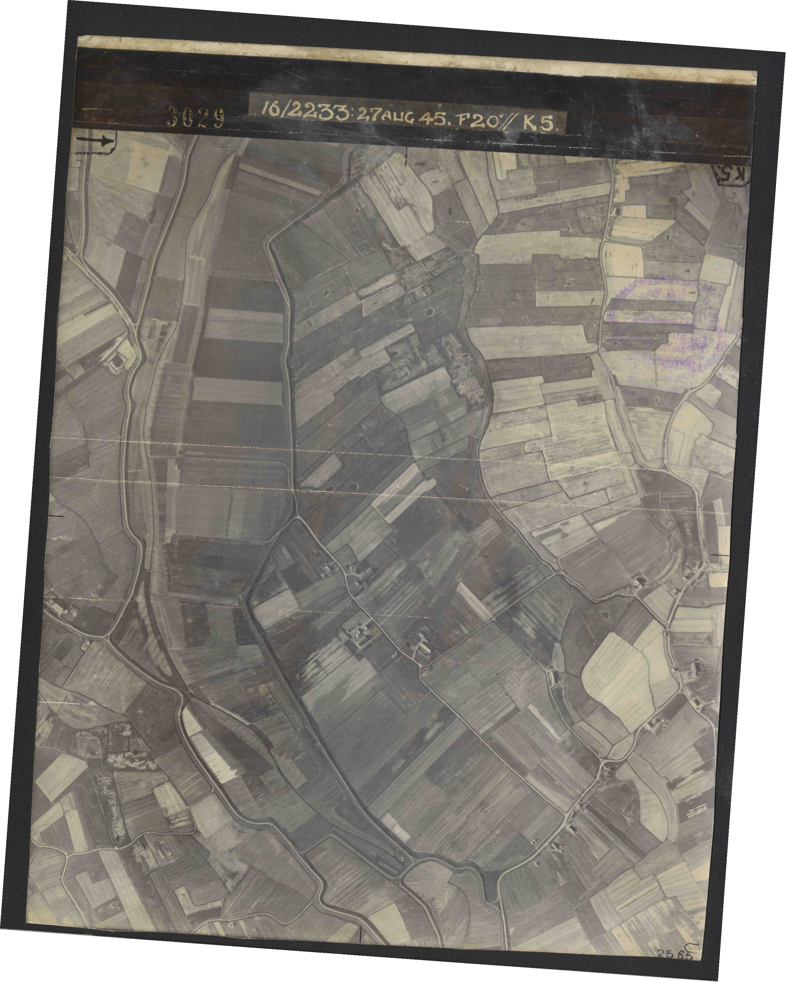 Collection RAF aerial photos 1940-1945 - flight 034, run 09, photo 3029