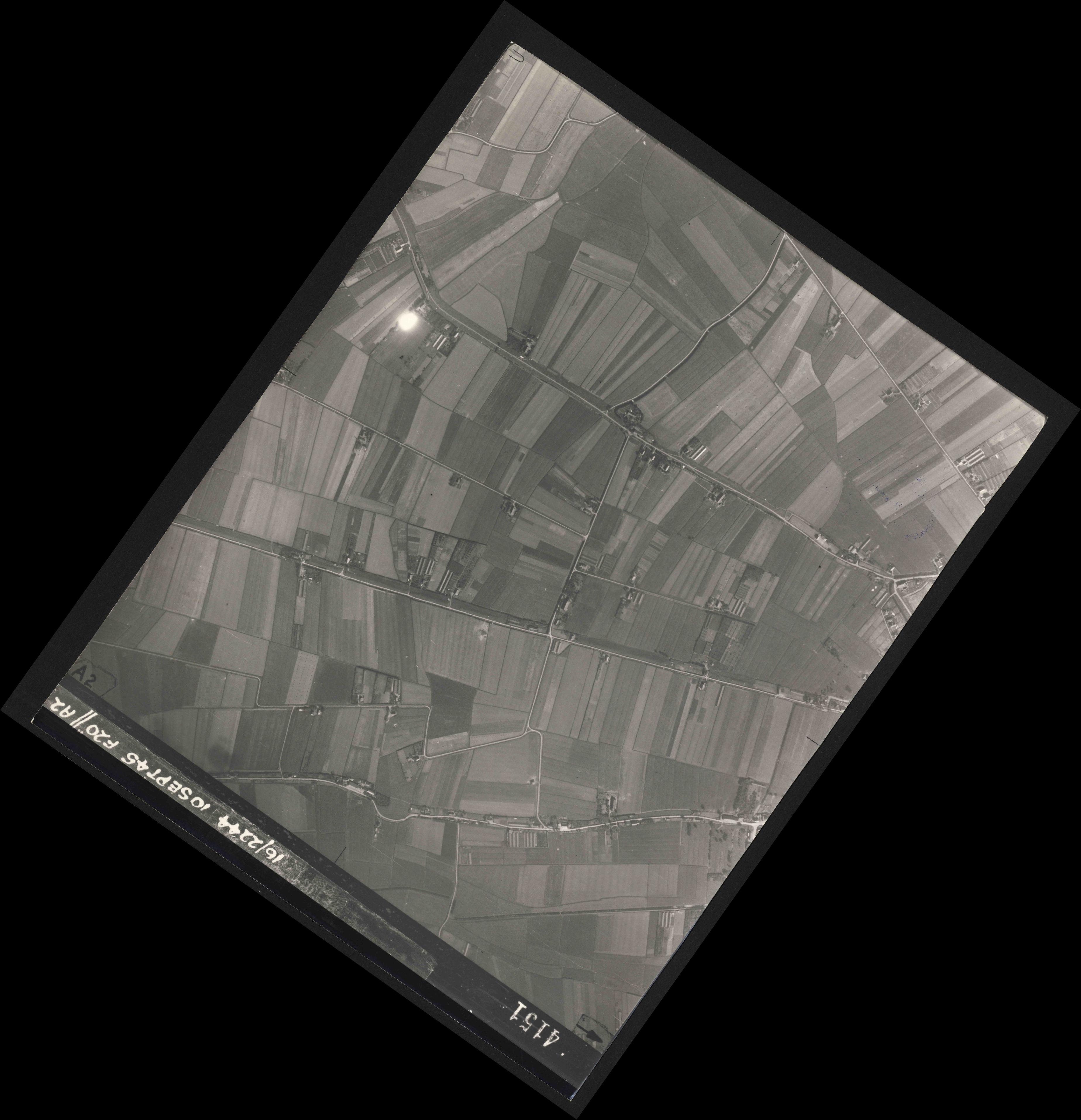 Collection RAF aerial photos 1940-1945 - flight 035, run 12, photo 4151