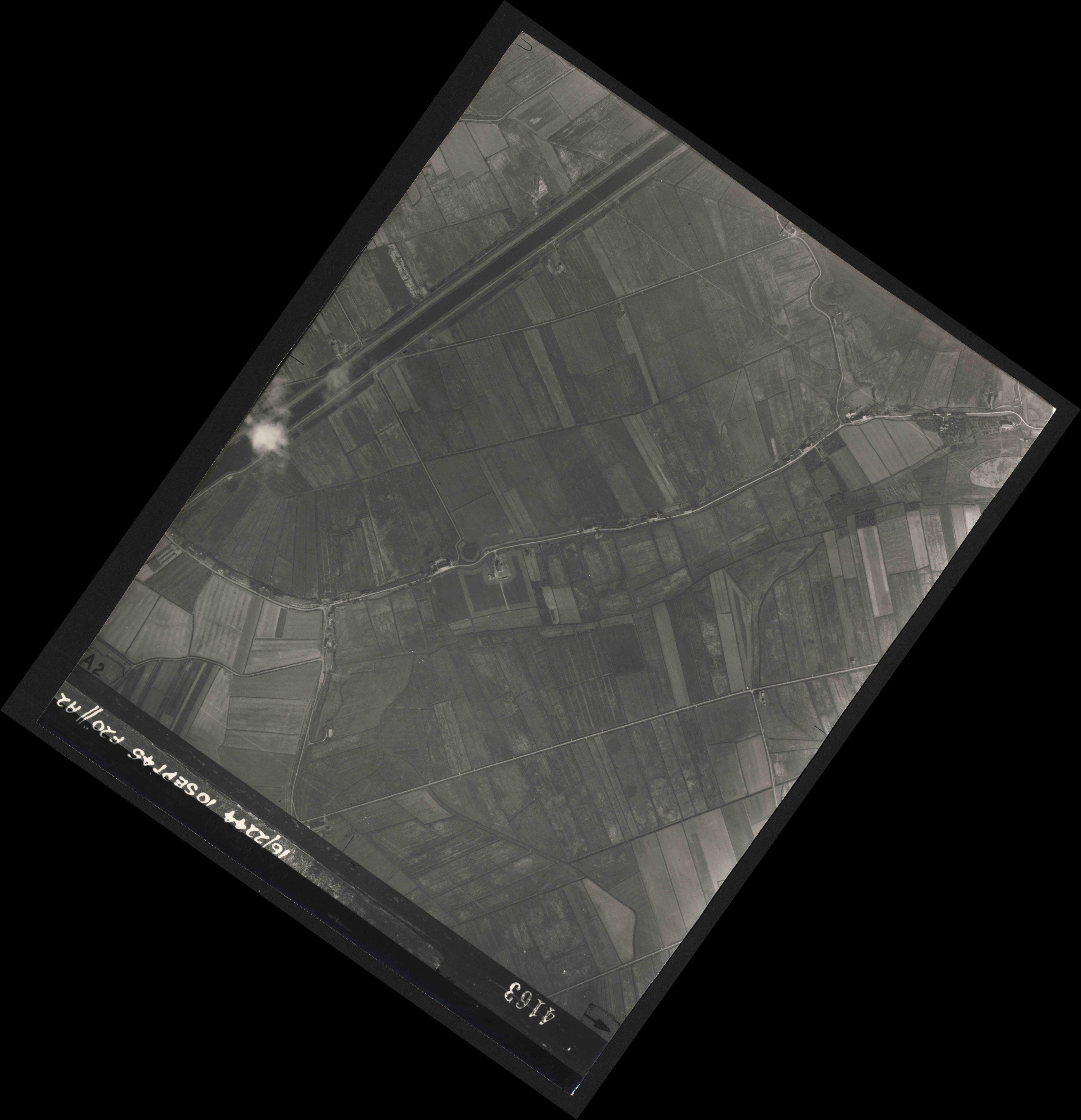 Collection RAF aerial photos 1940-1945 - flight 035, run 12, photo 4163