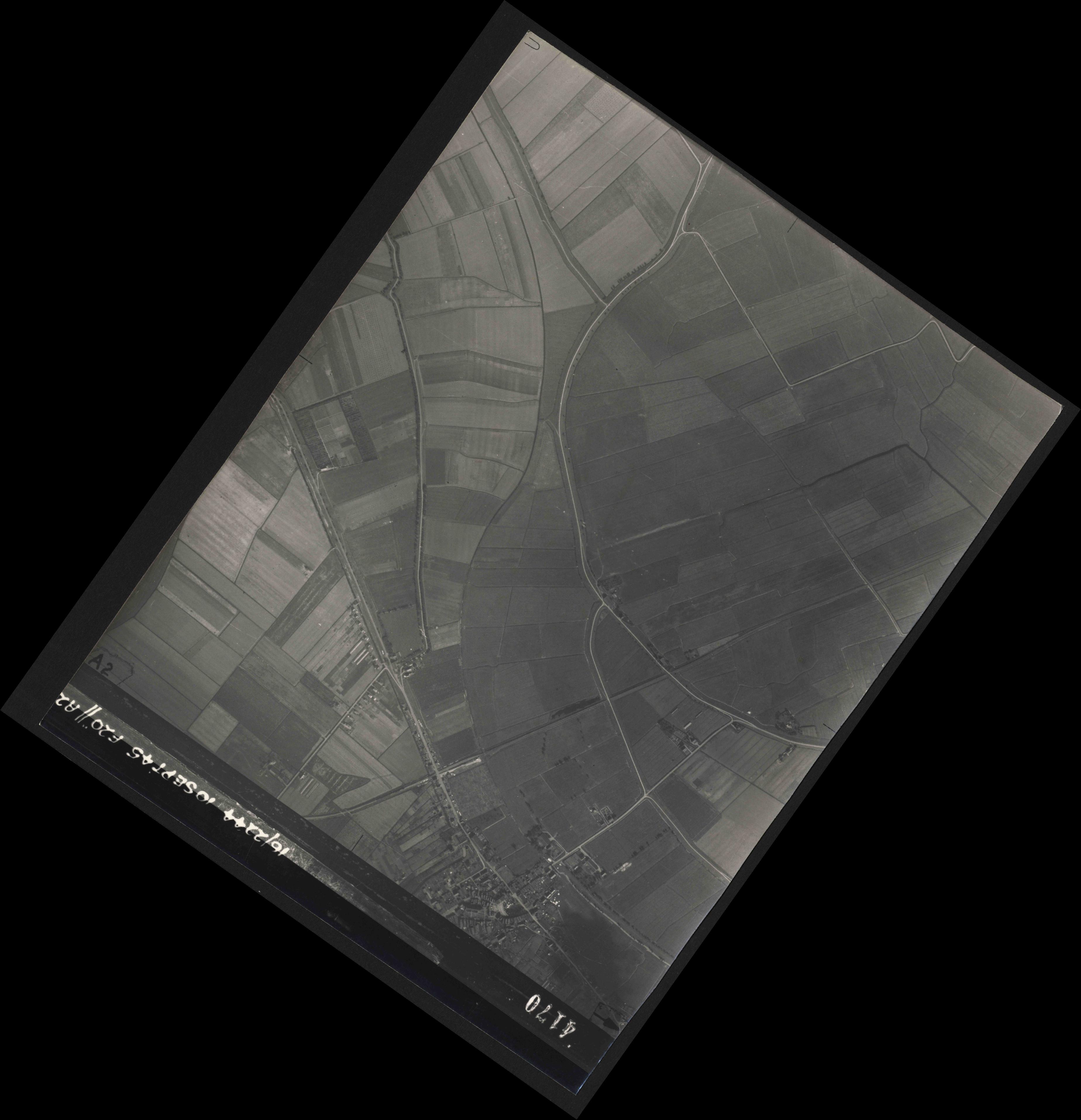 Collection RAF aerial photos 1940-1945 - flight 035, run 12, photo 4170