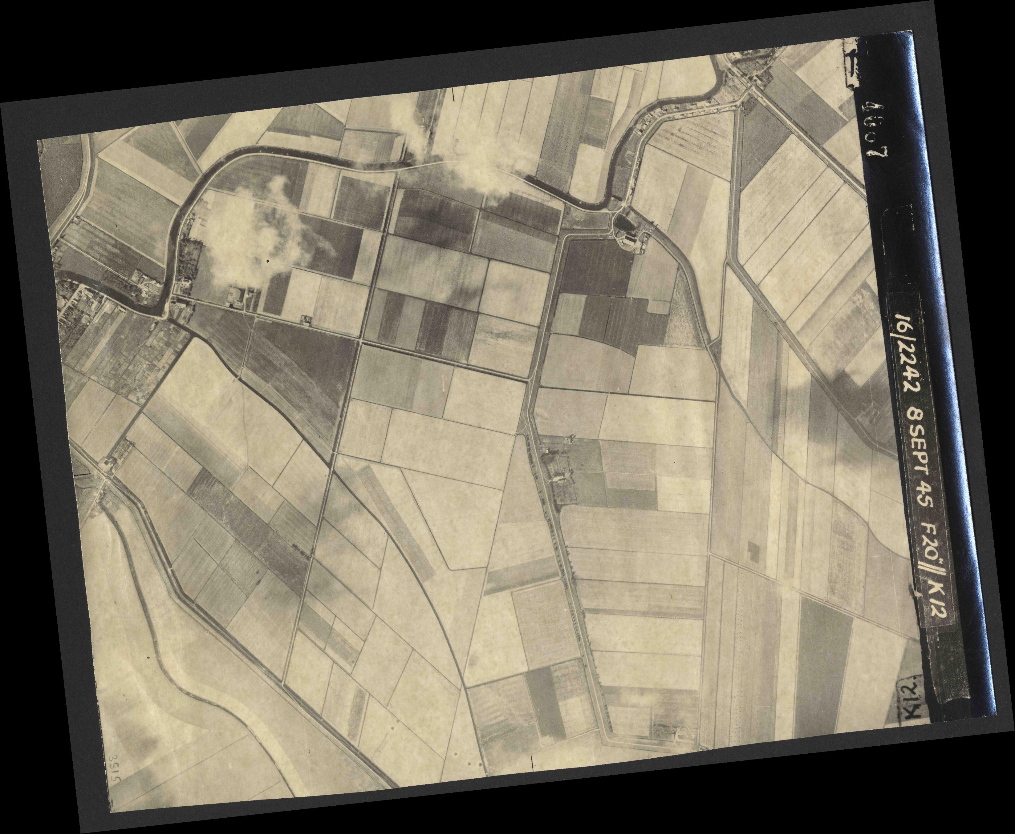Collection RAF aerial photos 1940-1945 - flight 036, run 13, photo 4087