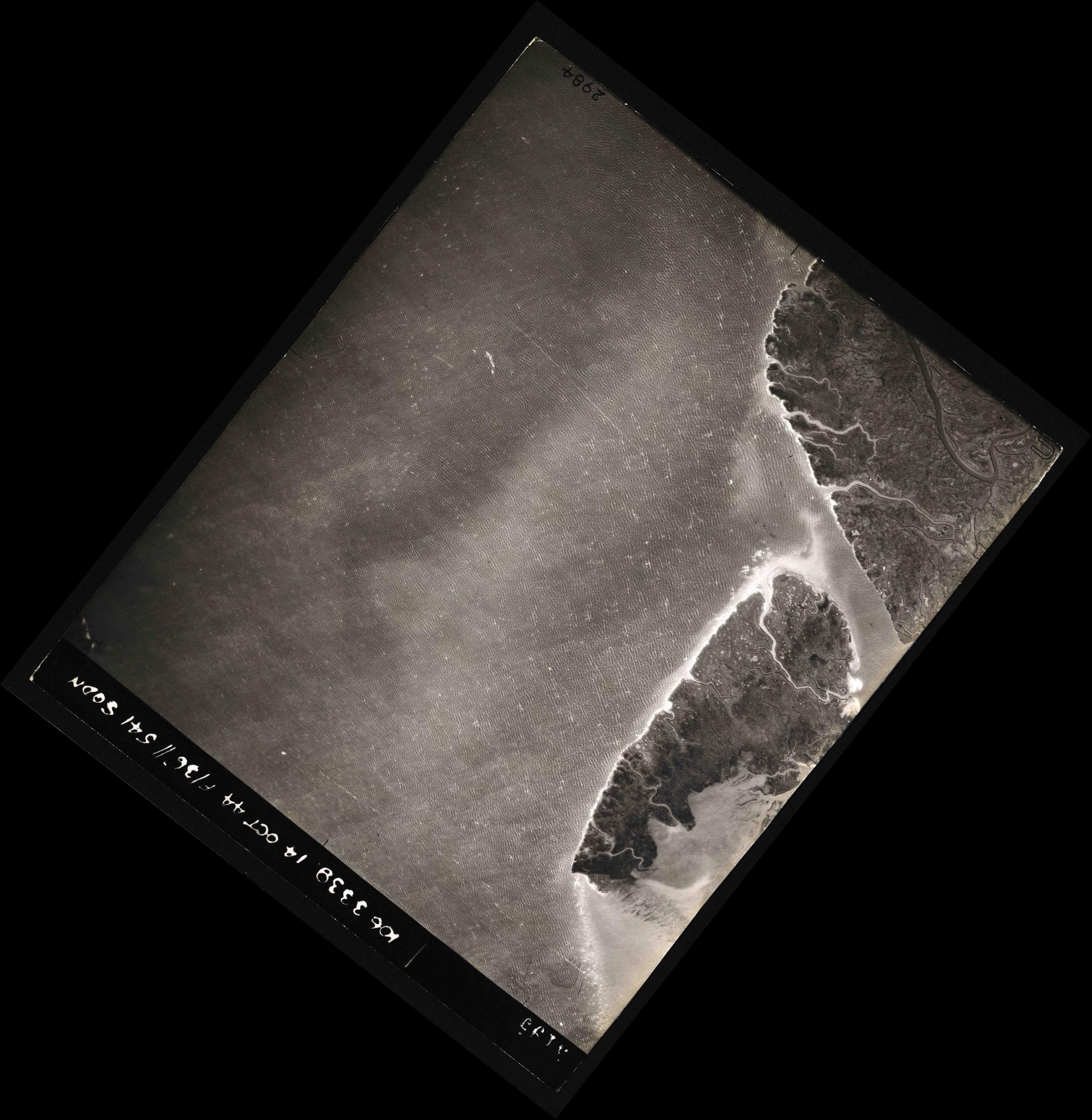 Collection RAF aerial photos 1940-1945 - flight 042, run 01, photo 3195