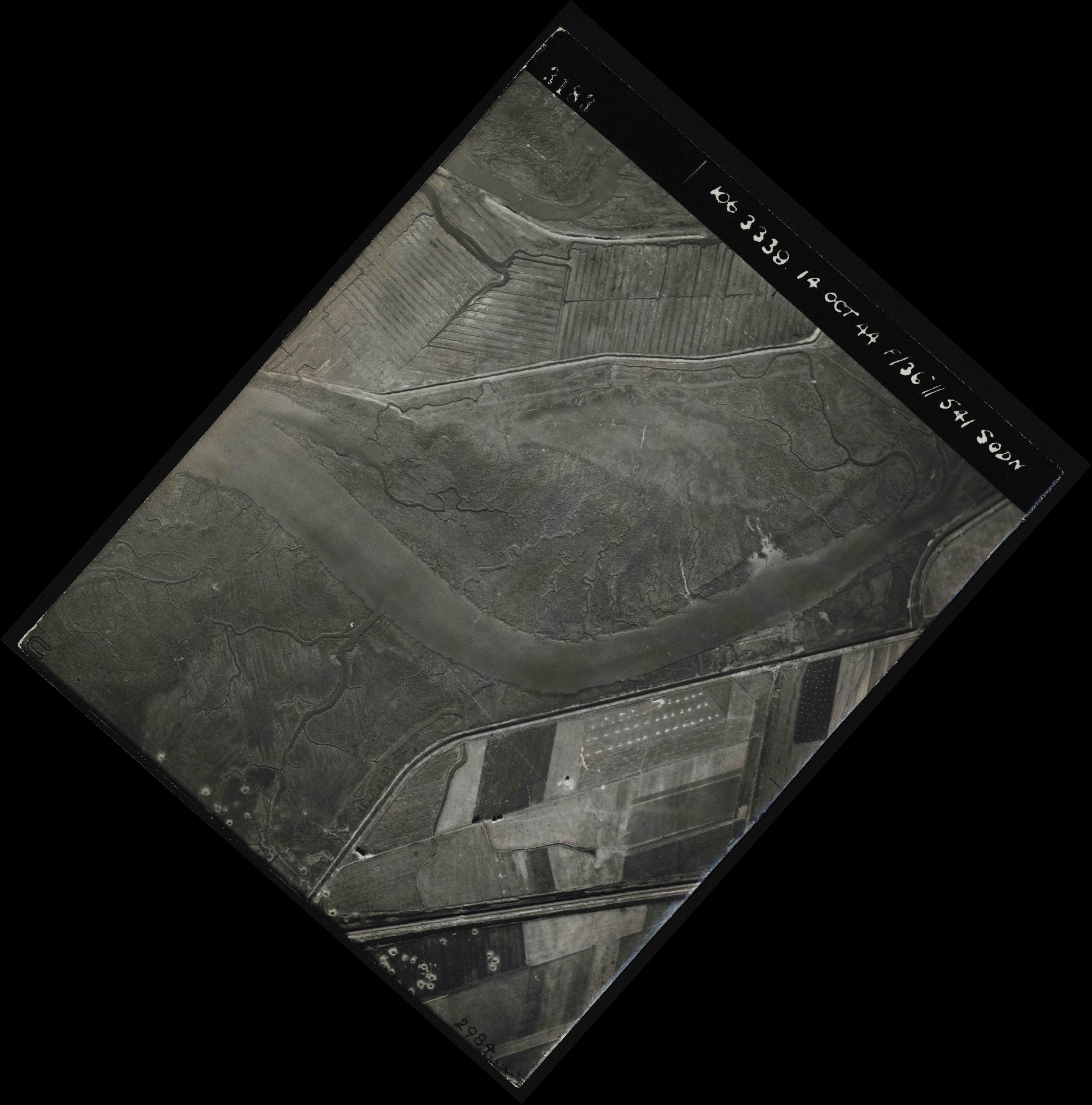 Collection RAF aerial photos 1940-1945 - flight 042, run 03, photo 3183