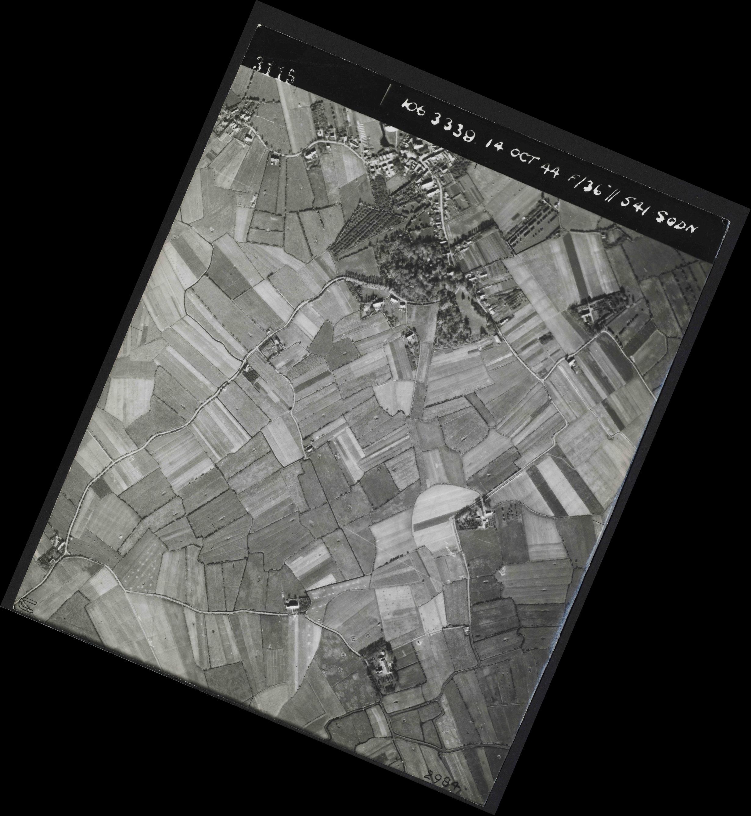 Collection RAF aerial photos 1940-1945 - flight 042, run 04, photo 3115