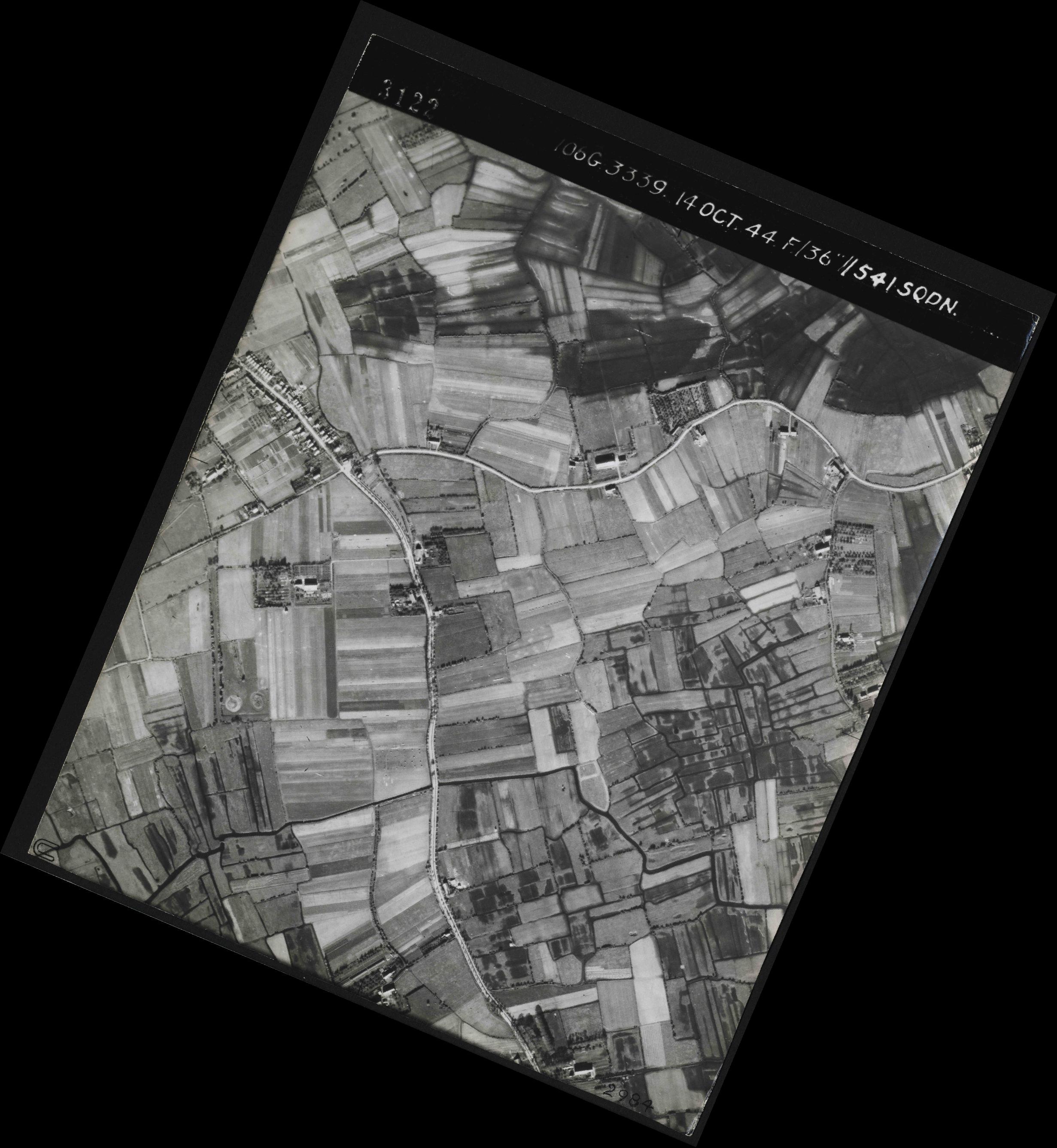 Collection RAF aerial photos 1940-1945 - flight 042, run 04, photo 3122