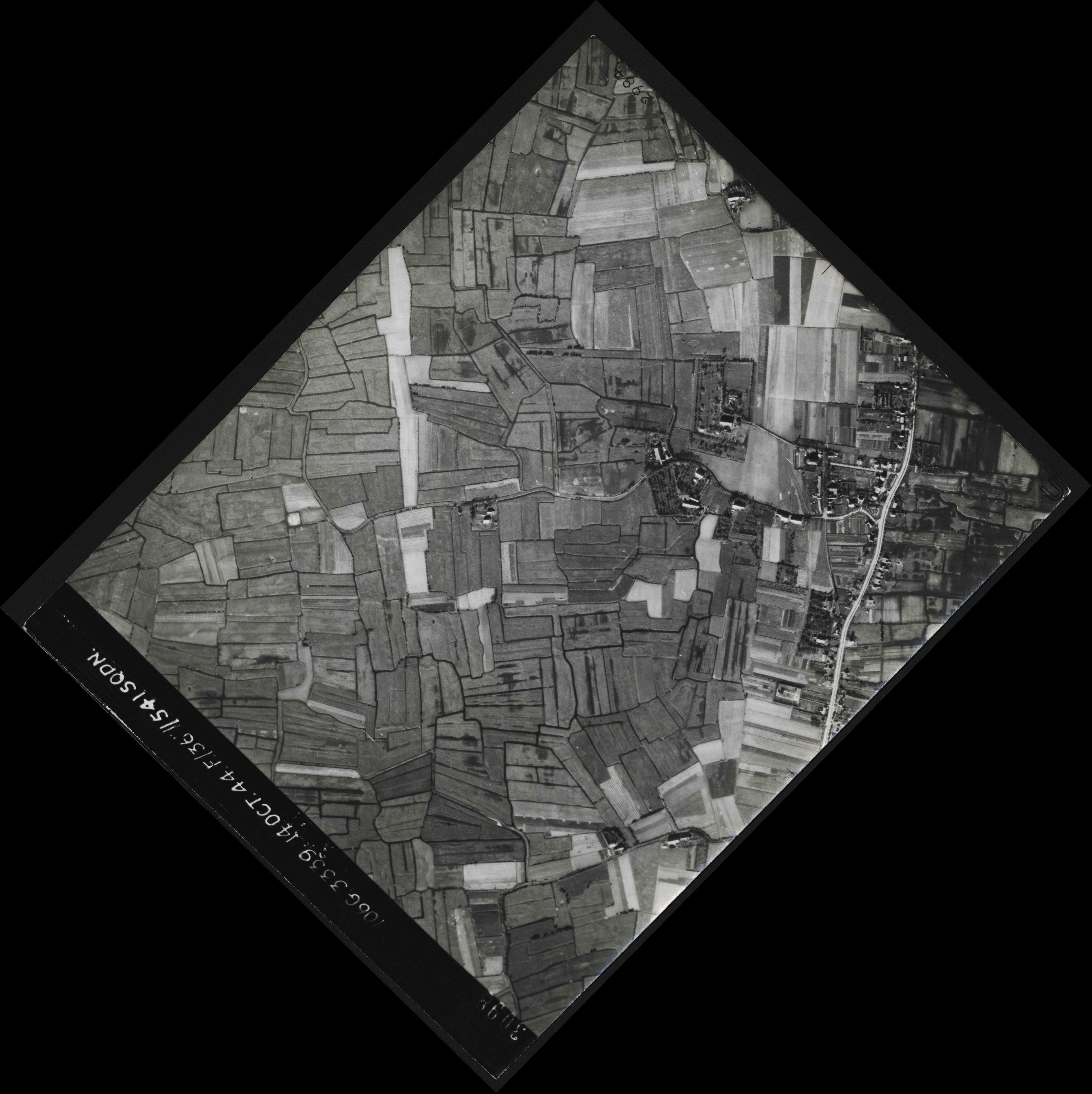 Collection RAF aerial photos 1940-1945 - flight 042, run 05, photo 3098
