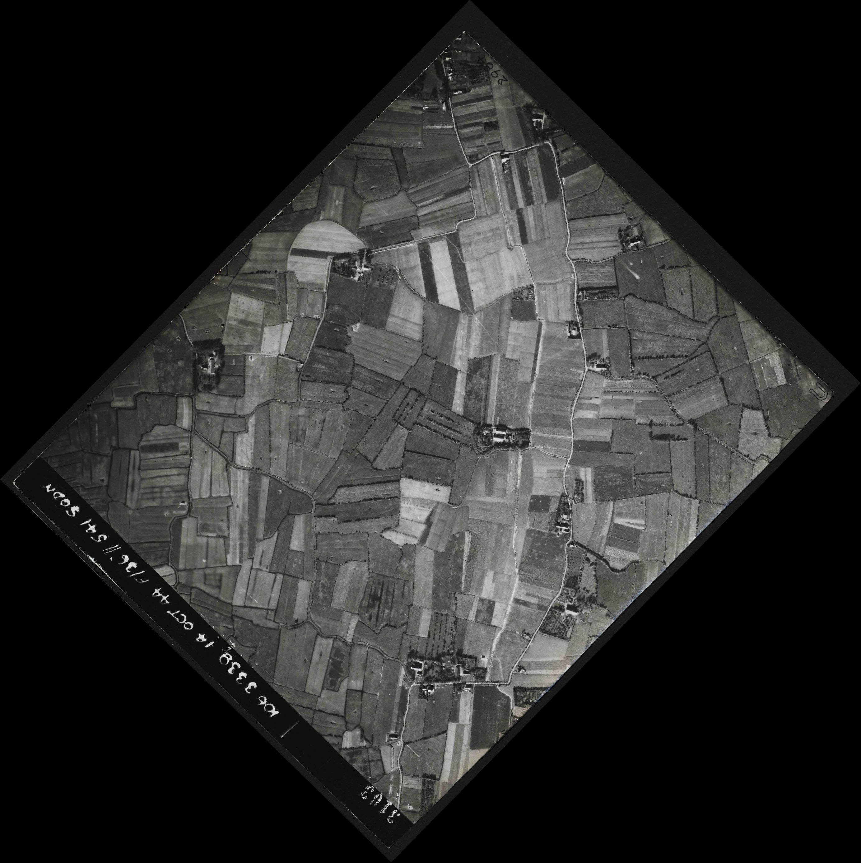 Collection RAF aerial photos 1940-1945 - flight 042, run 05, photo 3103