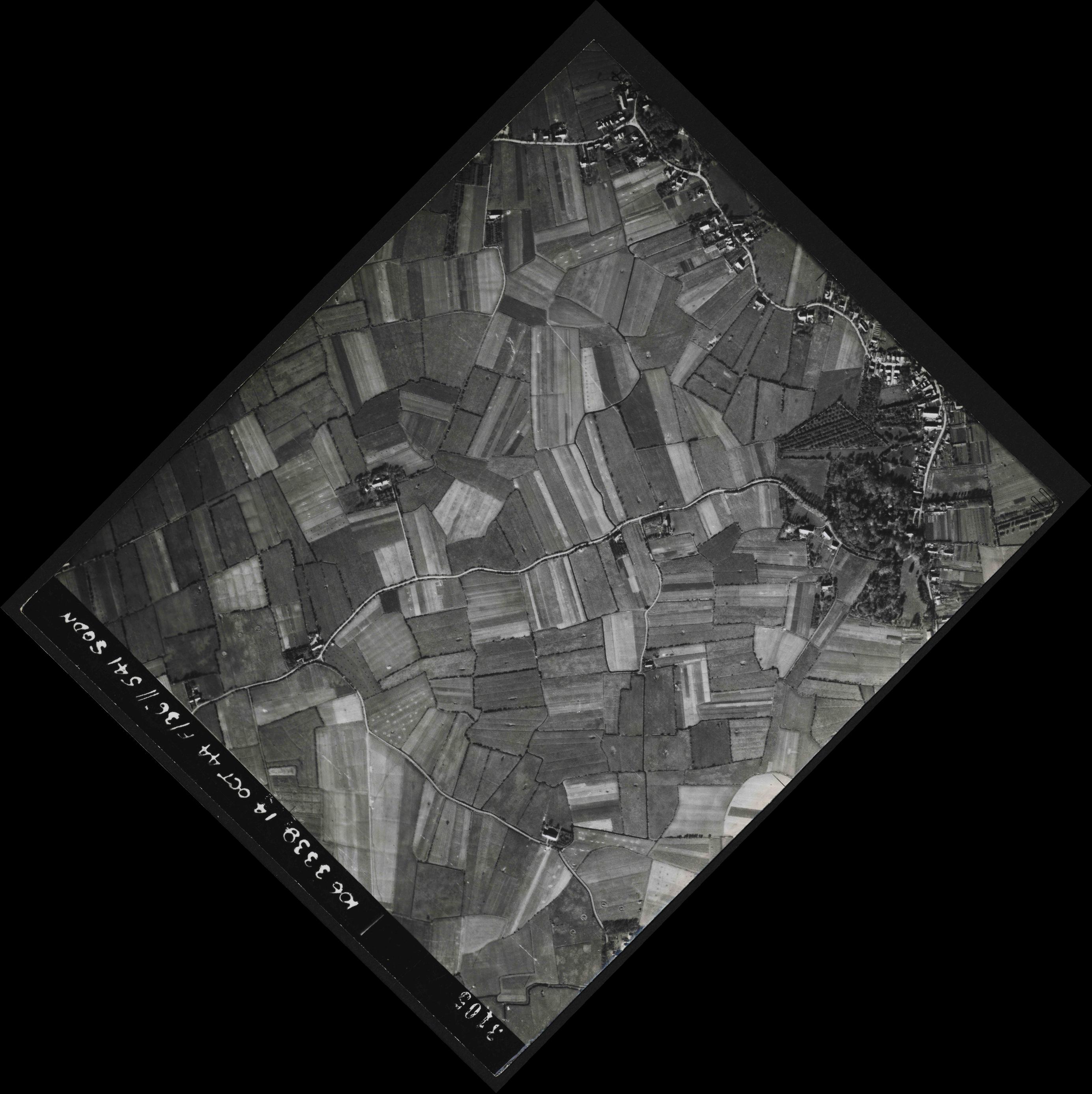 Collection RAF aerial photos 1940-1945 - flight 042, run 05, photo 3105