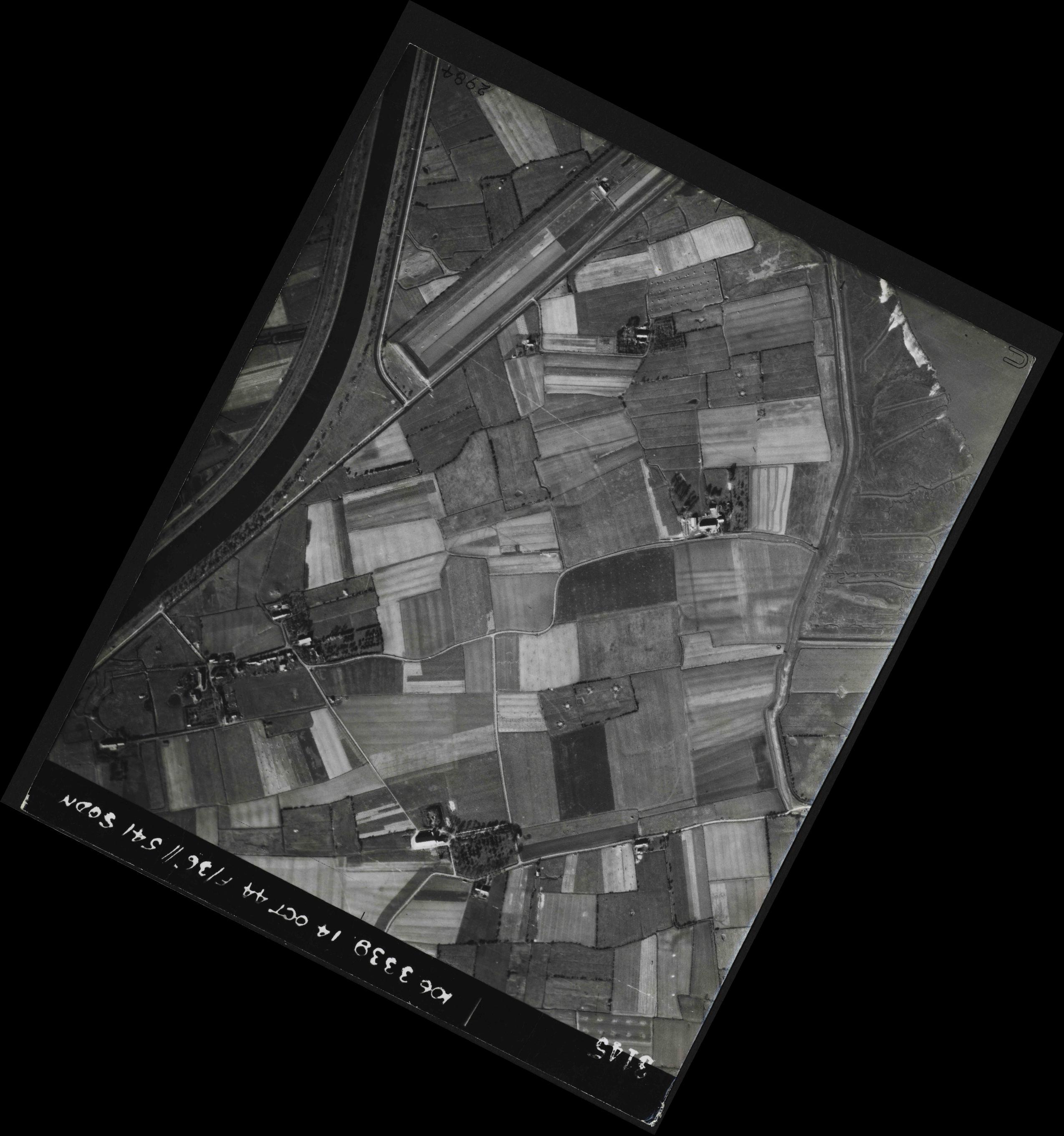 Collection RAF aerial photos 1940-1945 - flight 042, run 06, photo 3145
