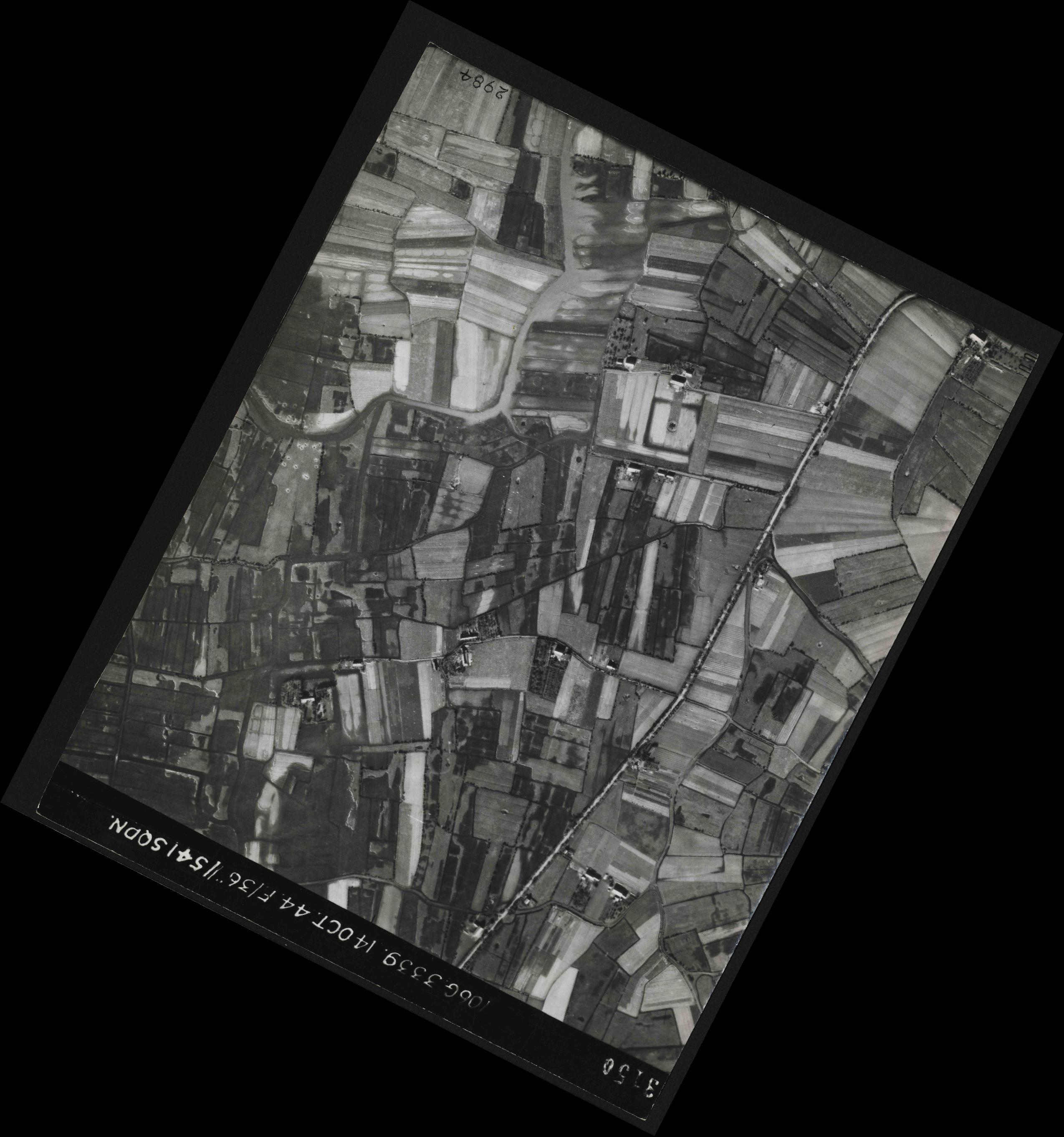 Collection RAF aerial photos 1940-1945 - flight 042, run 06, photo 3150