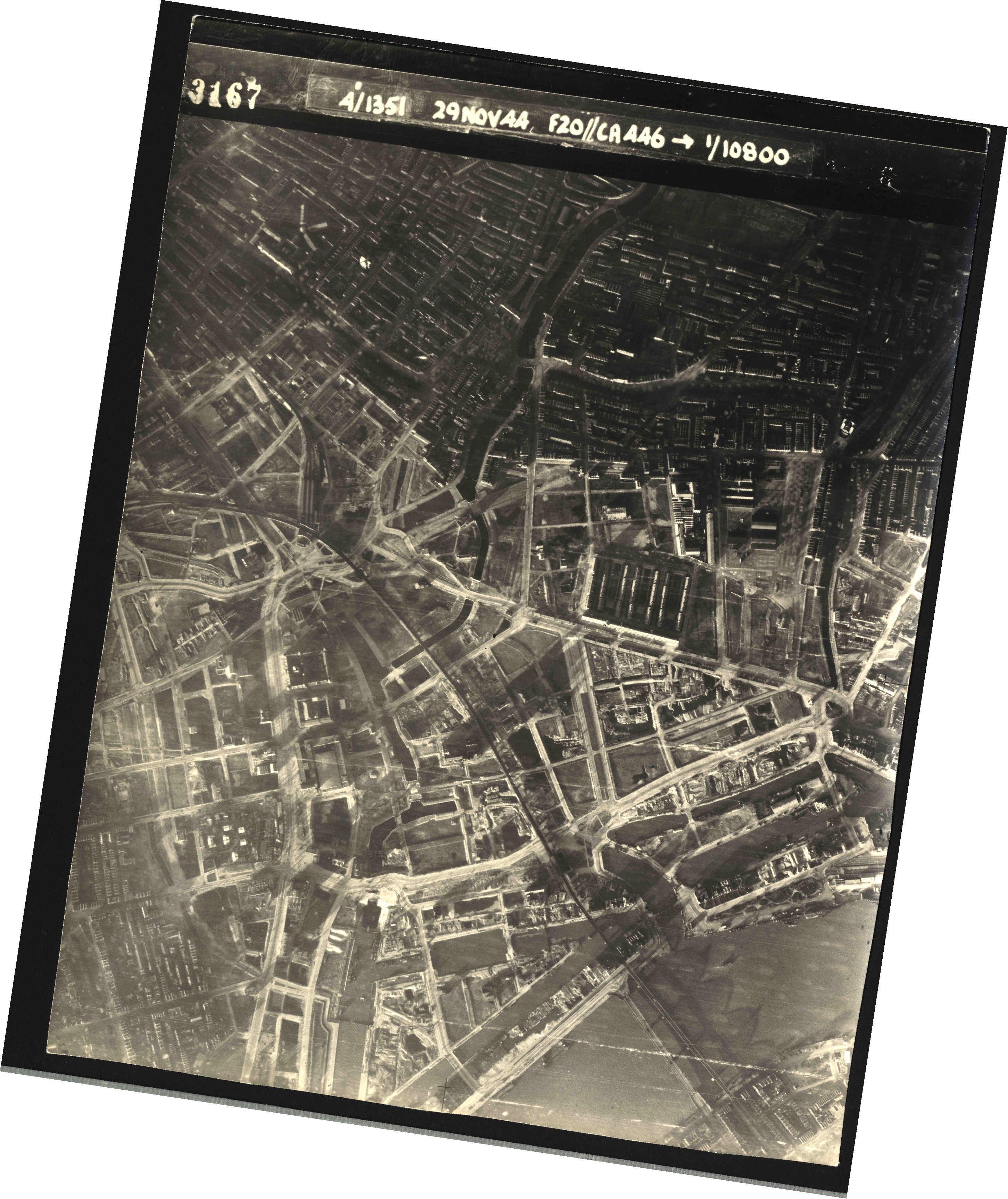 Collection RAF aerial photos 1940-1945 - flight 045, run 01, photo 3167