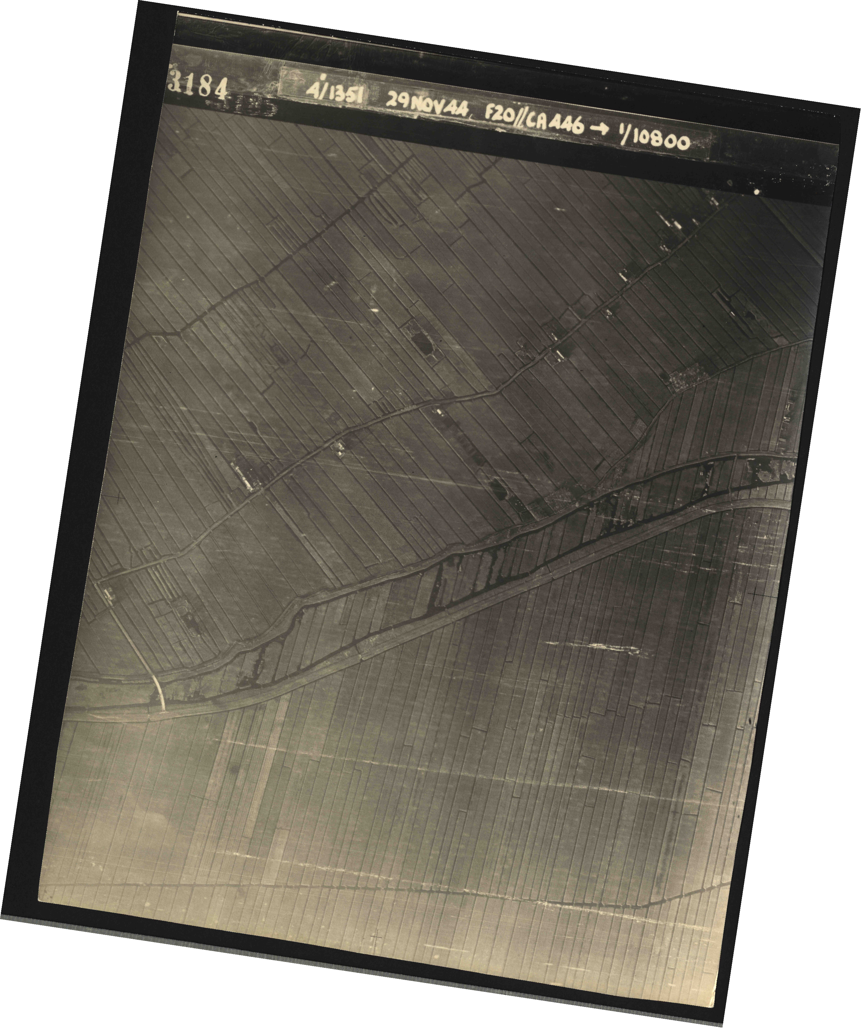 Collection RAF aerial photos 1940-1945 - flight 045, run 01, photo 3184