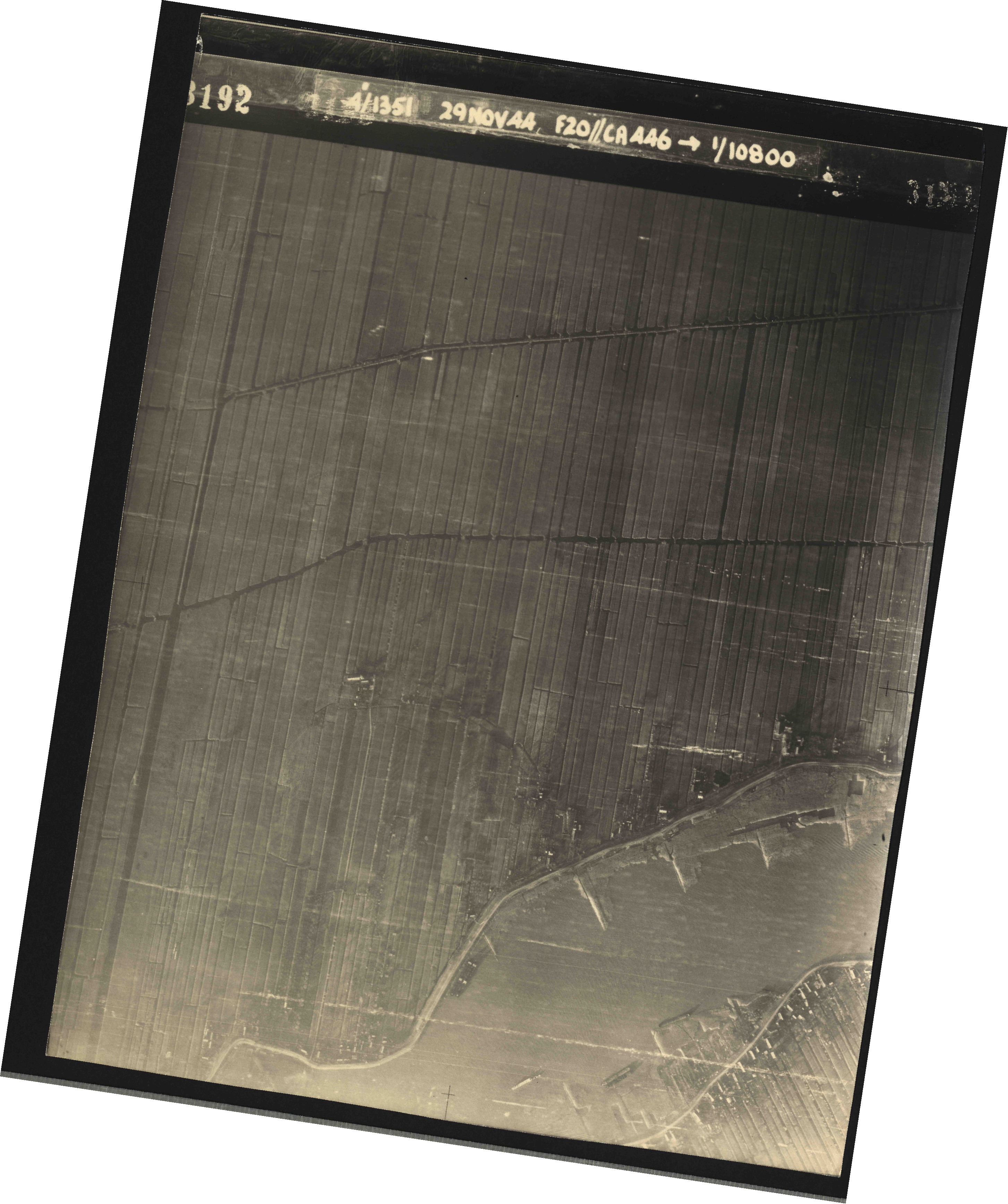Collection RAF aerial photos 1940-1945 - flight 045, run 01, photo 3192