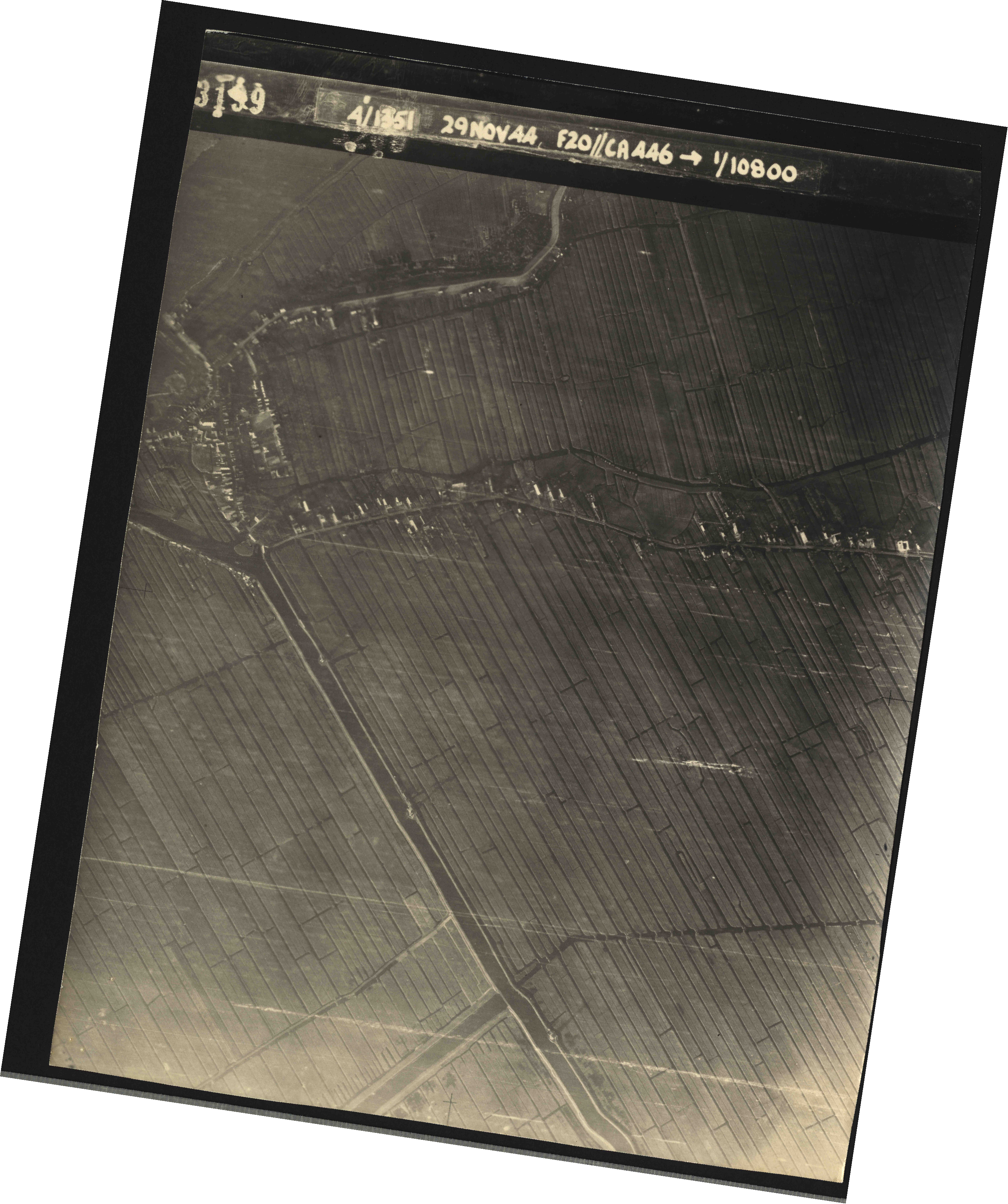 Collection RAF aerial photos 1940-1945 - flight 045, run 01, photo 3199