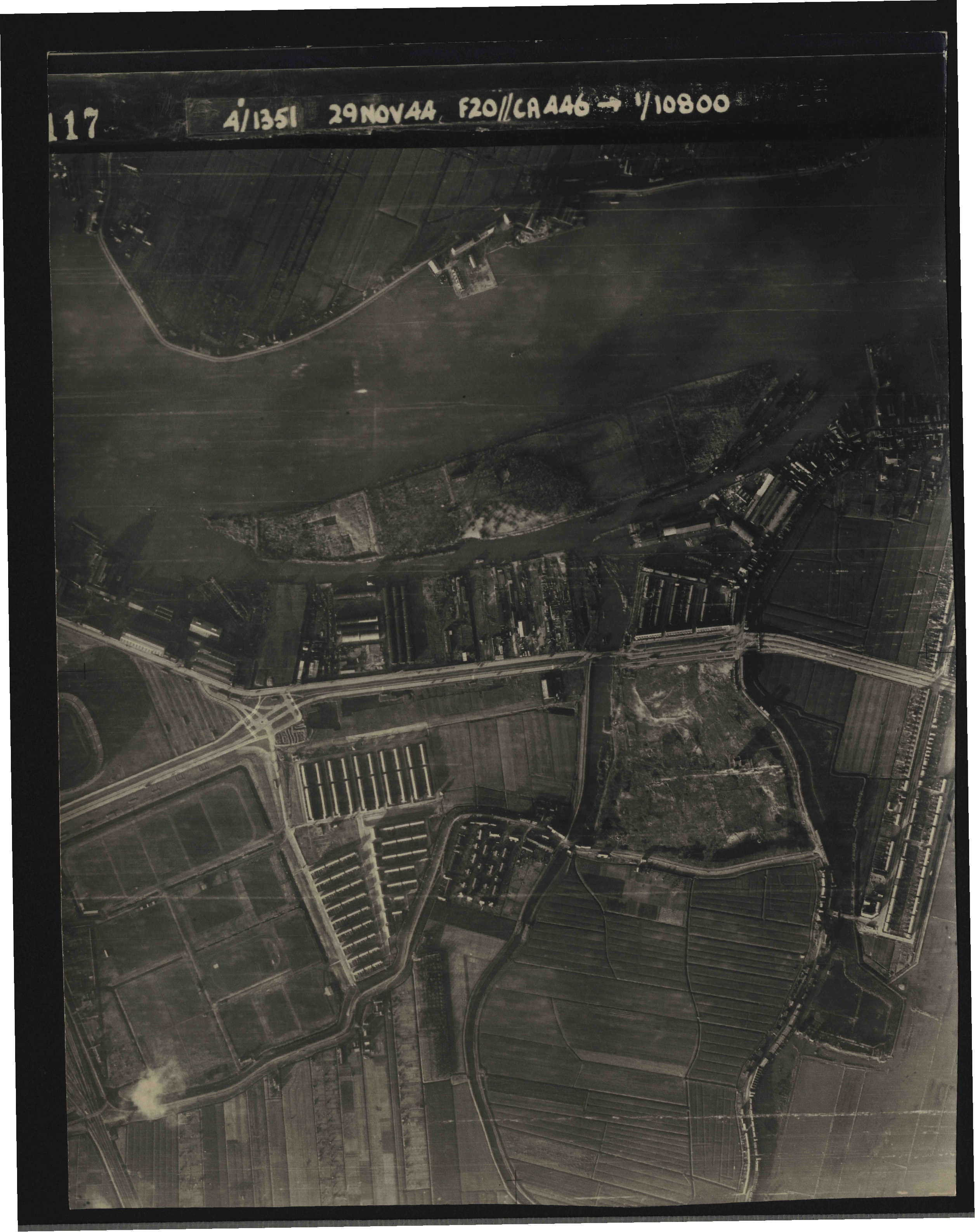 Collection RAF aerial photos 1940-1945 - flight 045, run 02, photo 3117