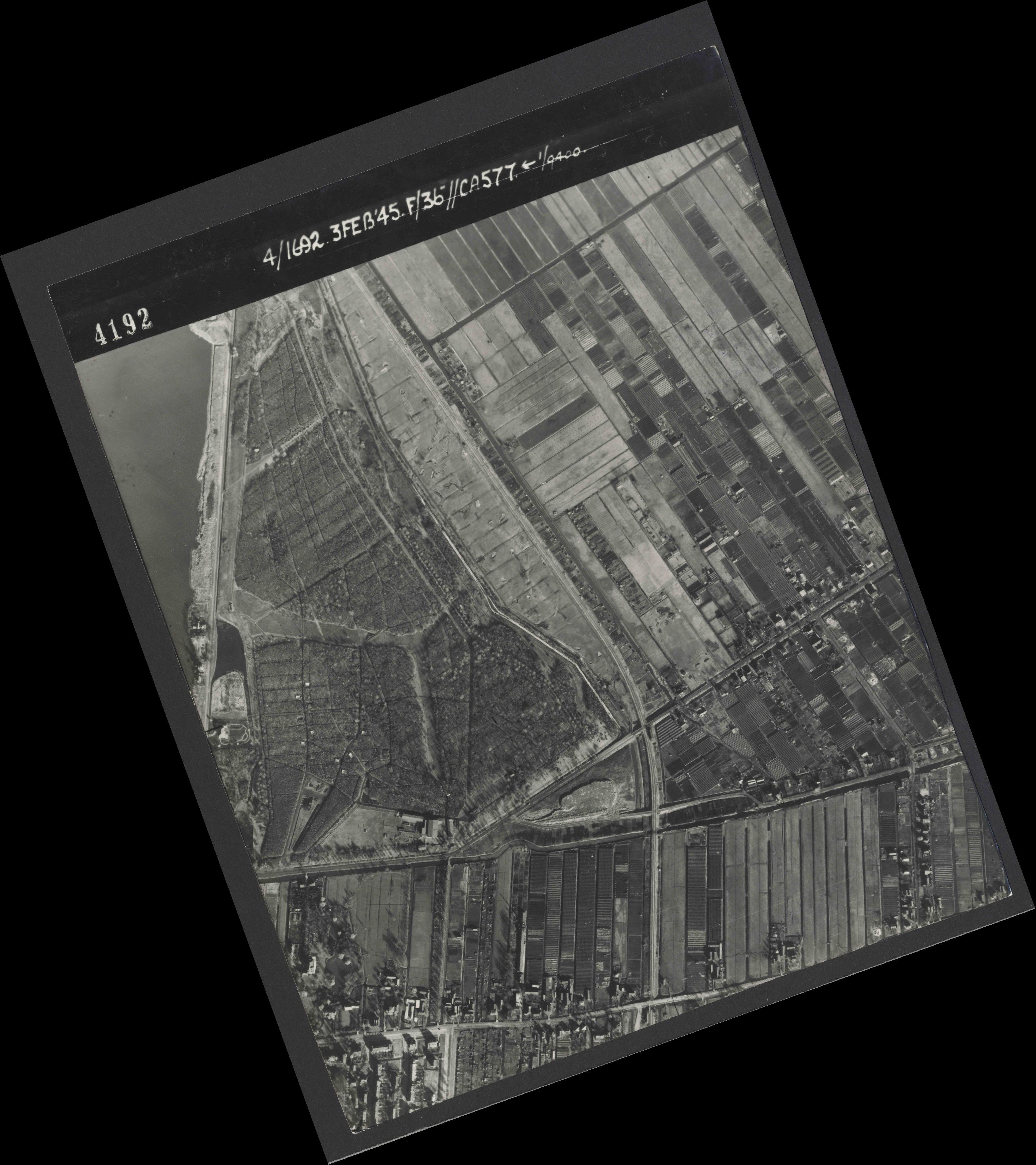 Collection RAF aerial photos 1940-1945 - flight 048, run 01, photo 4192