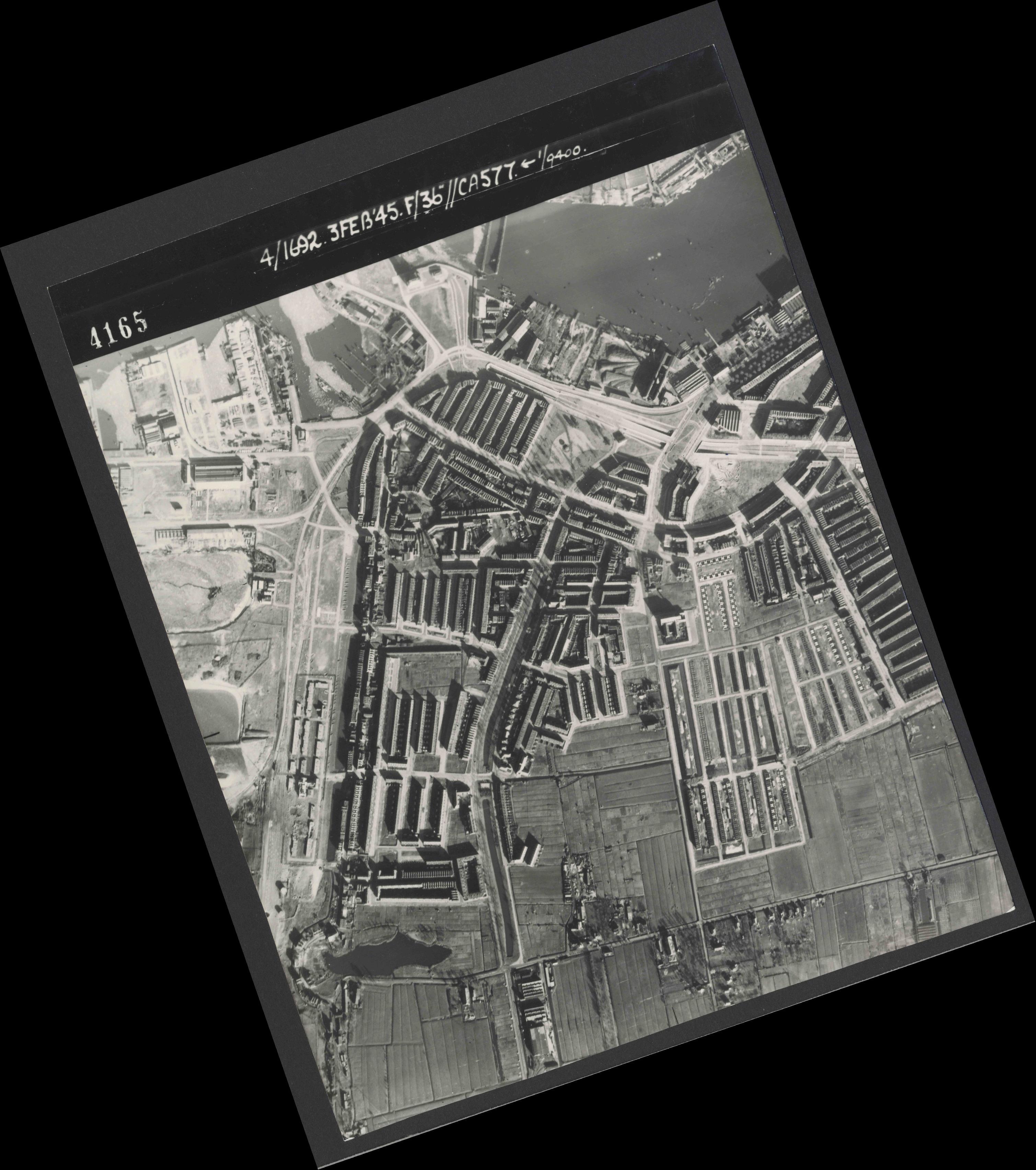 Collection RAF aerial photos 1940-1945 - flight 048, run 02, photo 4165