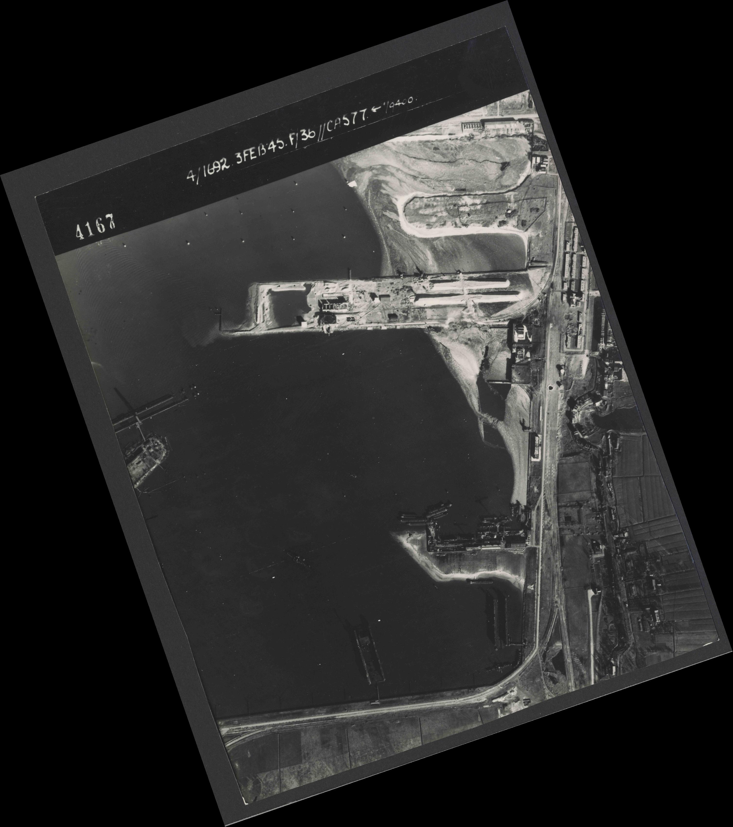 Collection RAF aerial photos 1940-1945 - flight 048, run 02, photo 4167