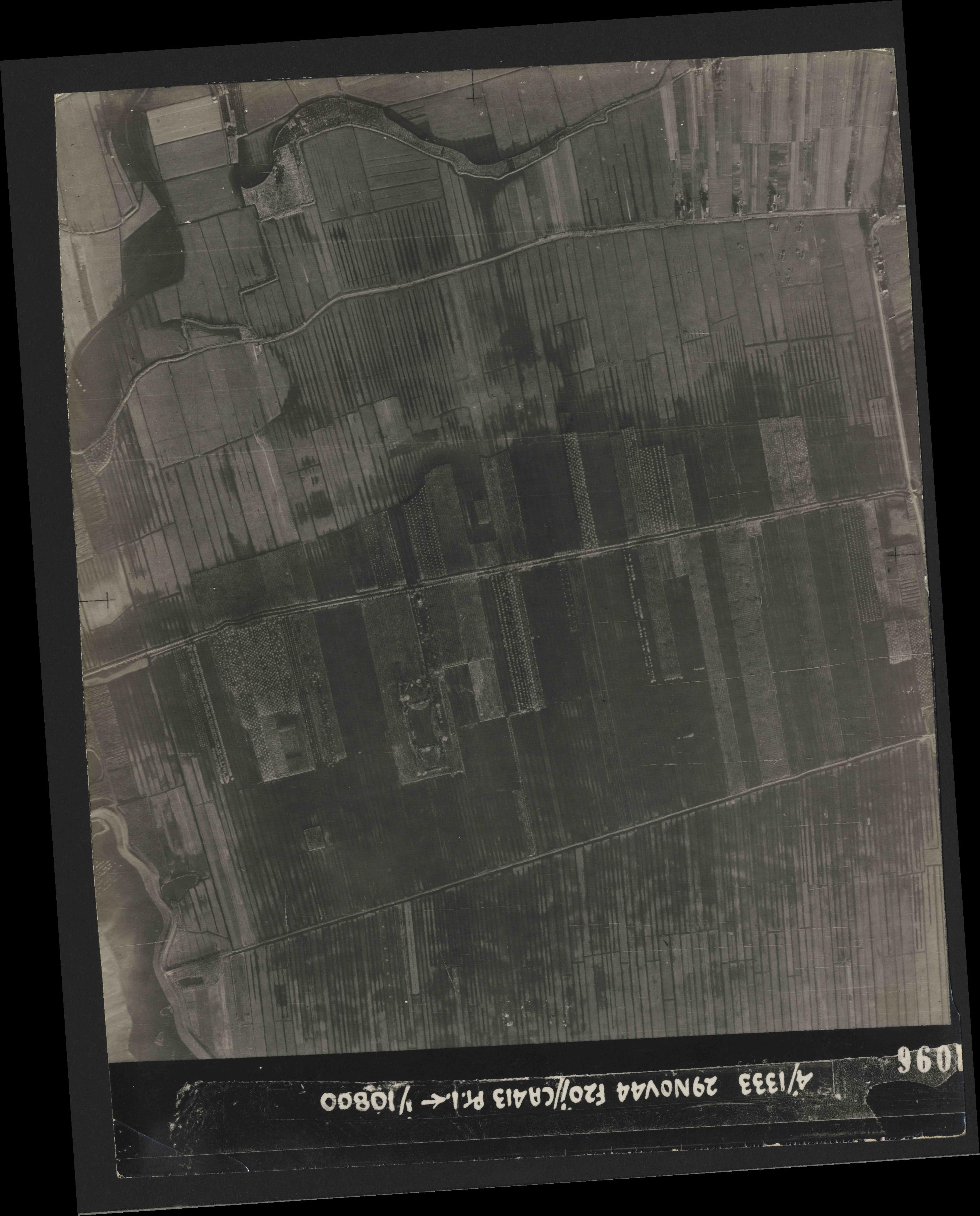 Collection RAF aerial photos 1940-1945 - flight 049, run 06, photo 4096
