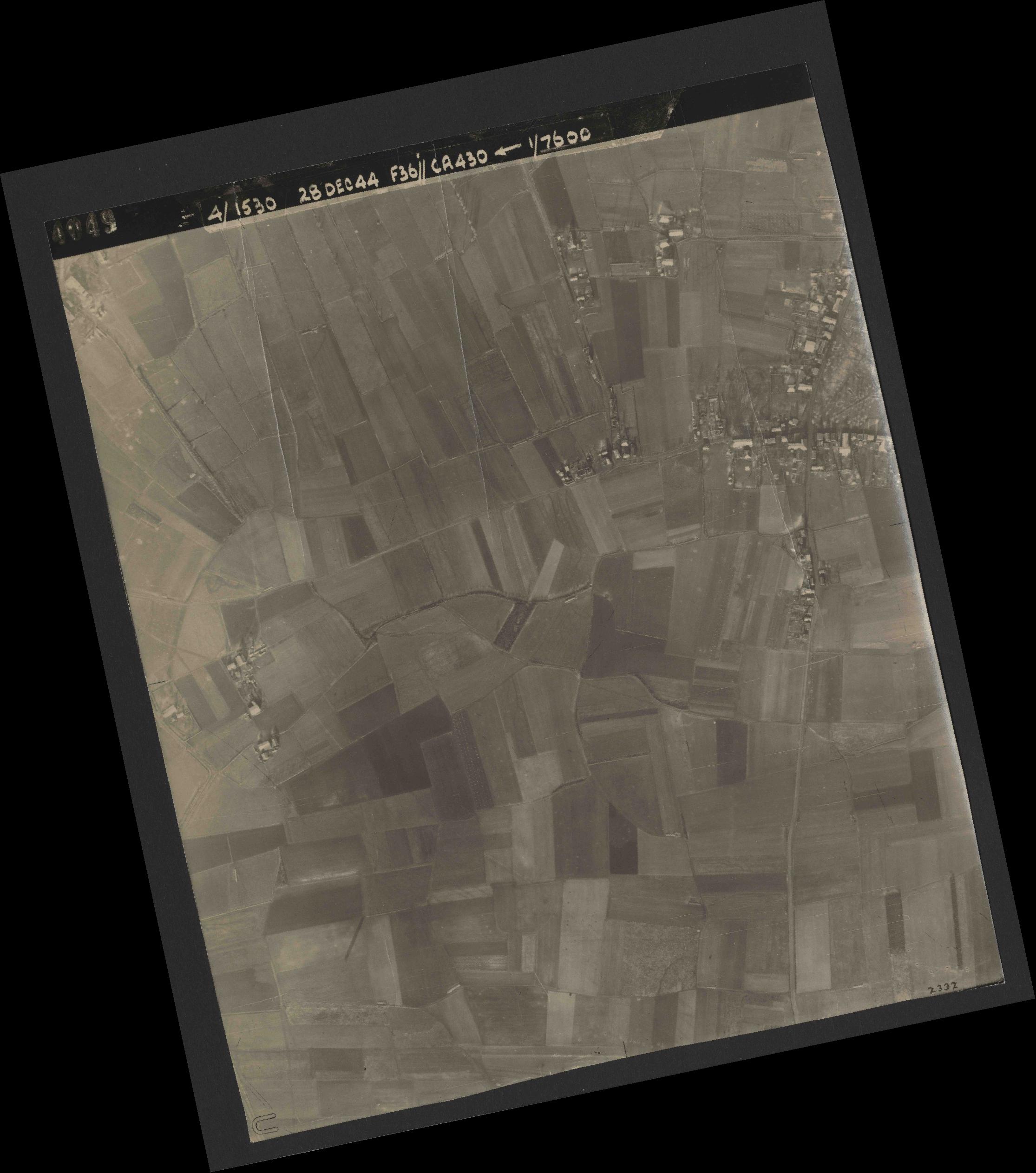 Collection RAF aerial photos 1940-1945 - flight 050, run 05, photo 4049