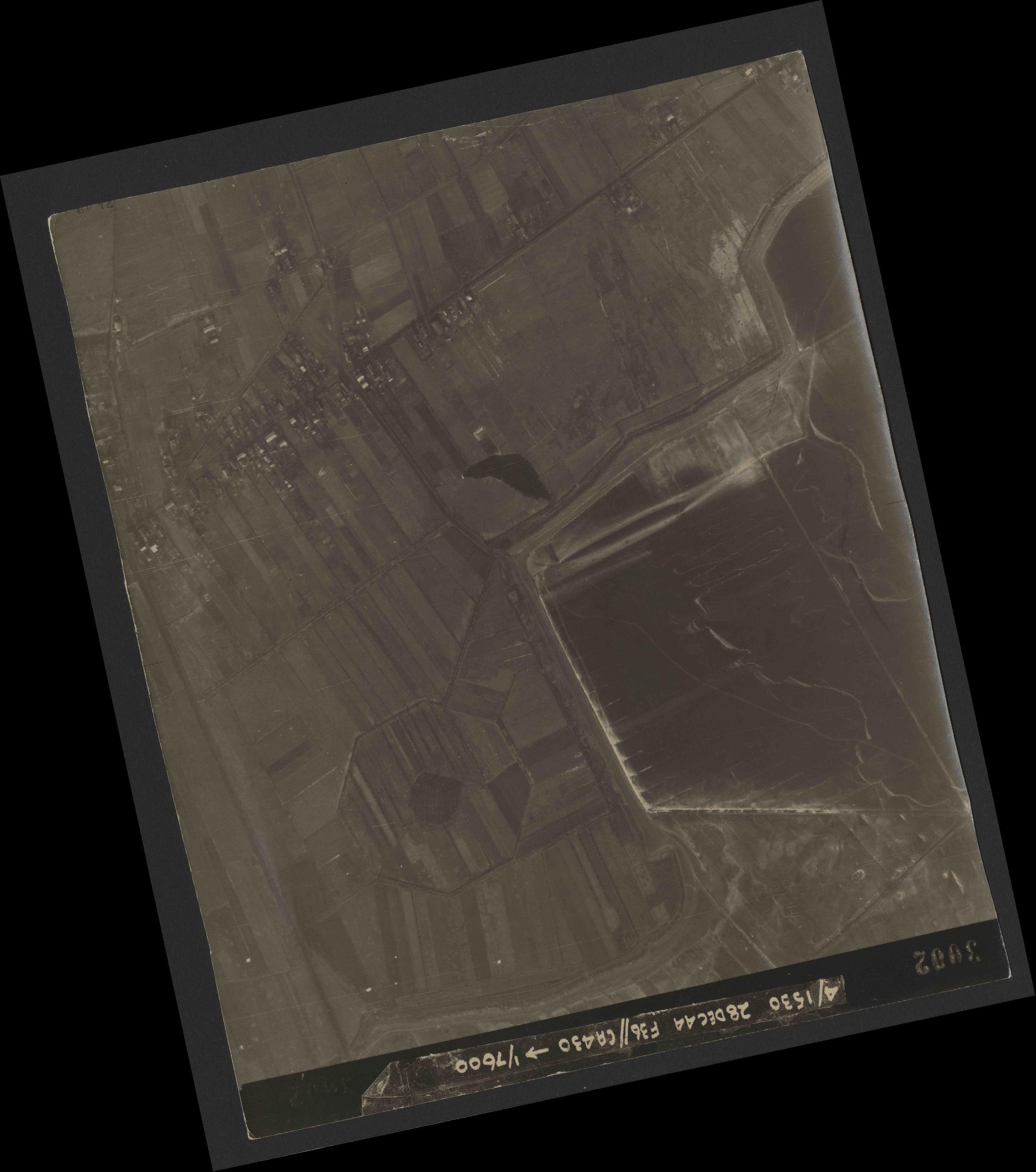 Collection RAF aerial photos 1940-1945 - flight 050, run 06, photo 3002