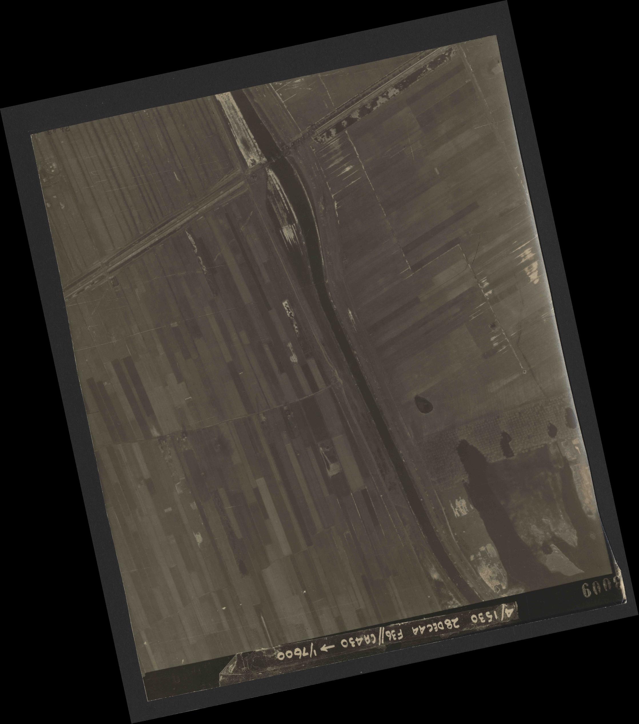 Collection RAF aerial photos 1940-1945 - flight 050, run 06, photo 3009