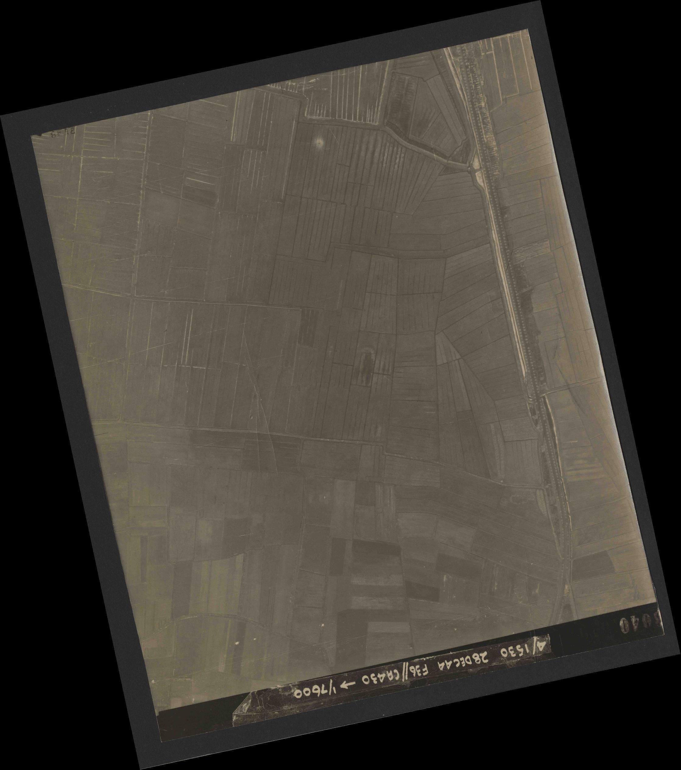 Collection RAF aerial photos 1940-1945 - flight 050, run 06, photo 3040