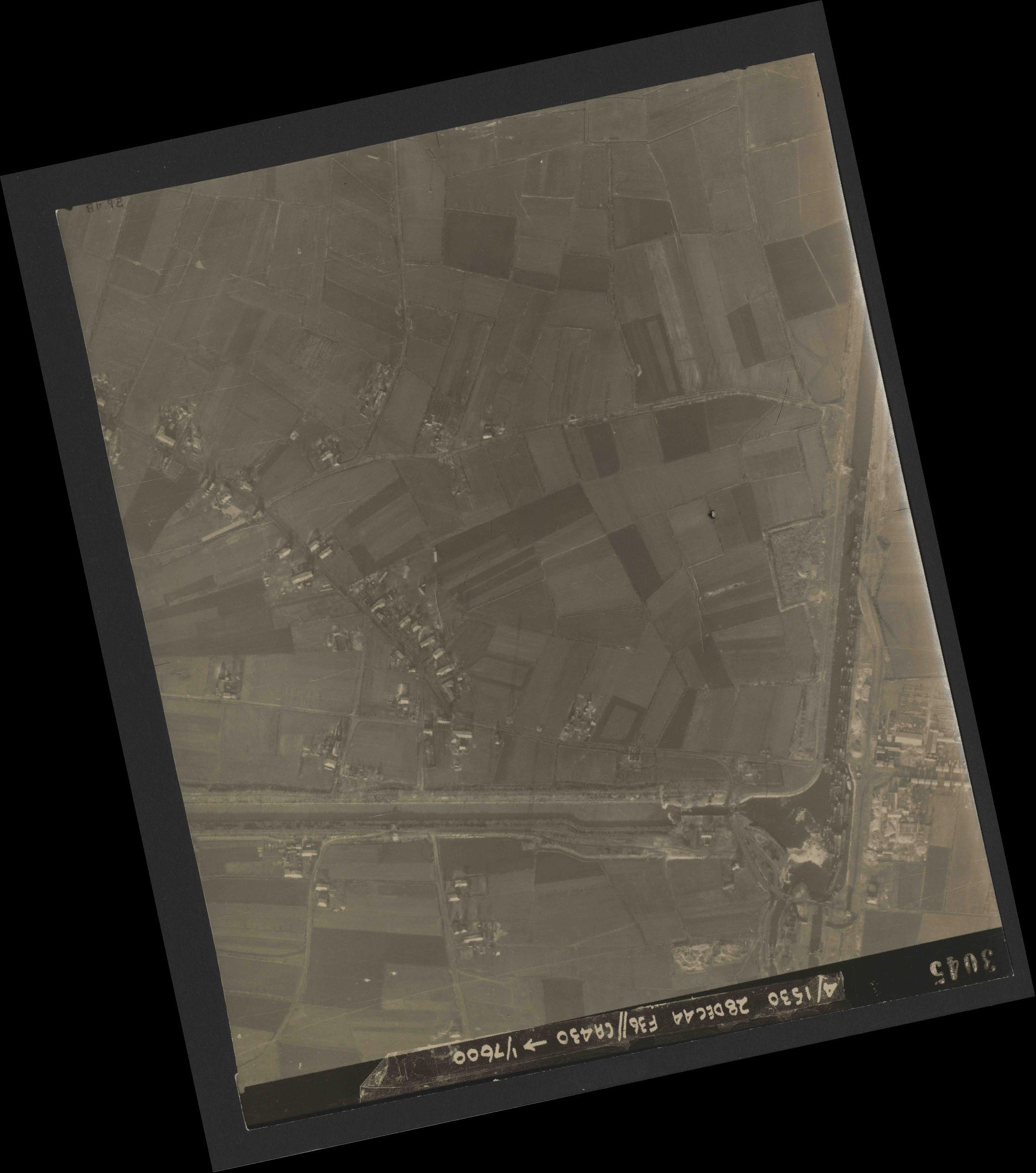 Collection RAF aerial photos 1940-1945 - flight 050, run 06, photo 3045