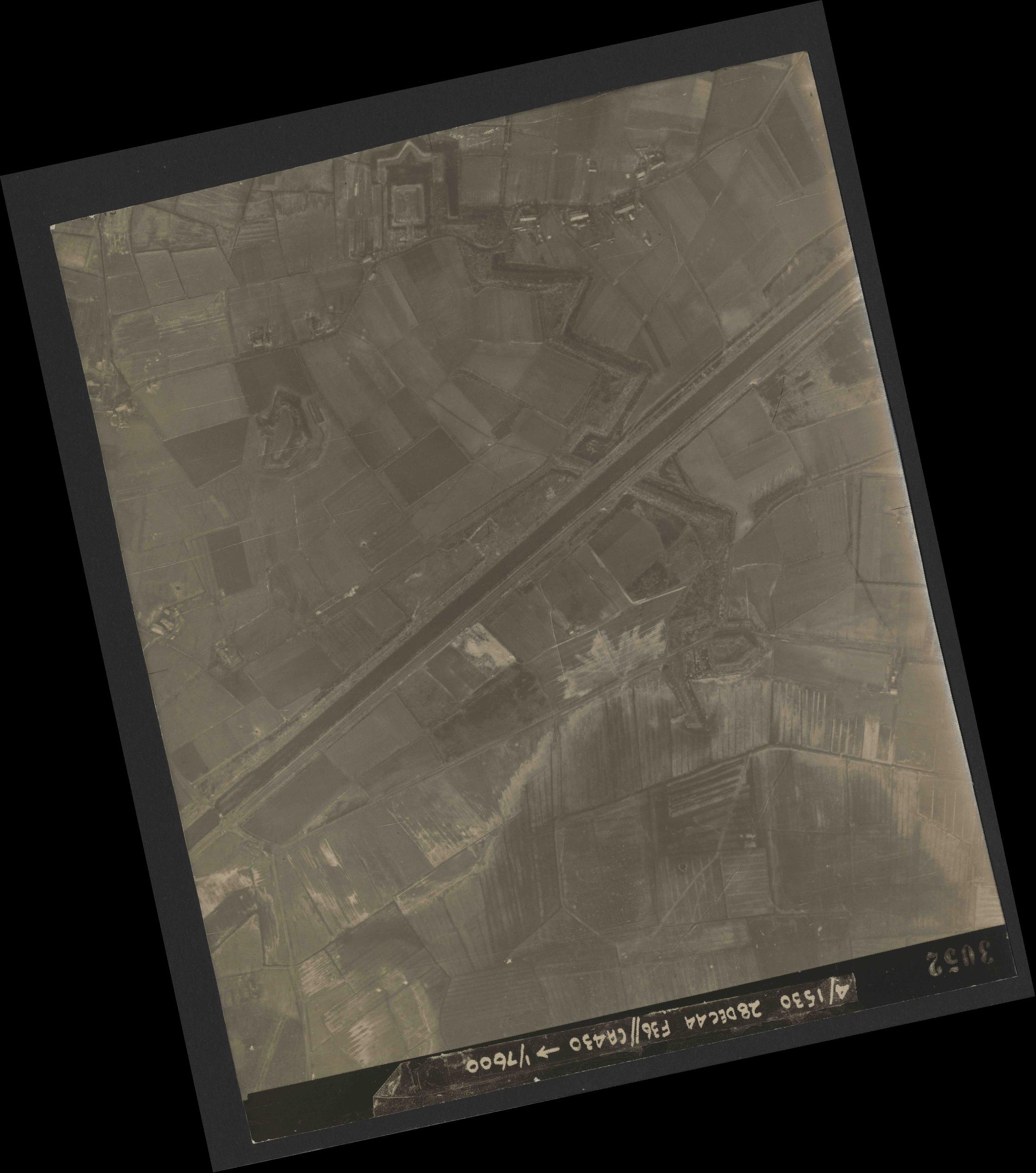 Collection RAF aerial photos 1940-1945 - flight 050, run 06, photo 3052