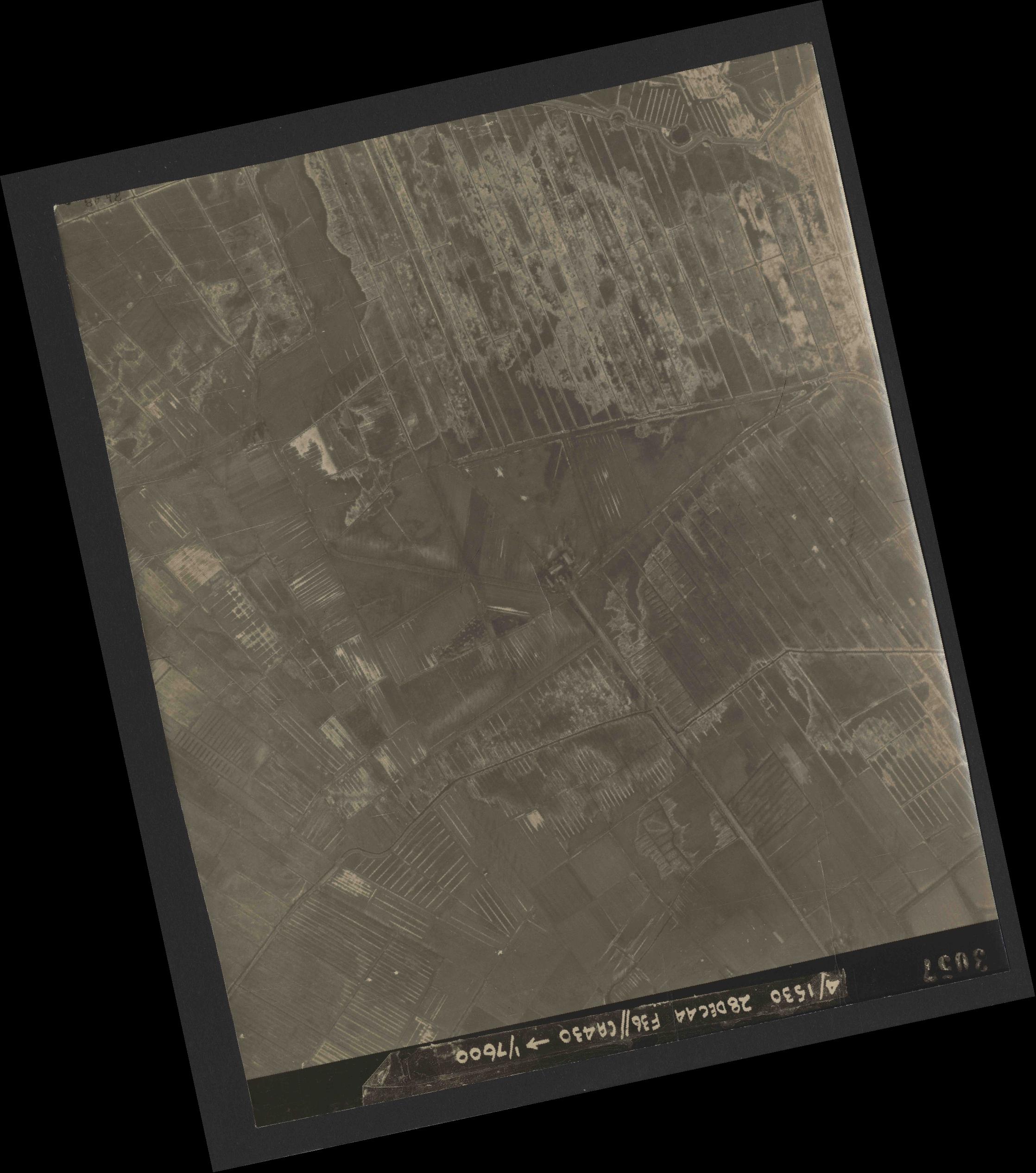 Collection RAF aerial photos 1940-1945 - flight 050, run 06, photo 3057