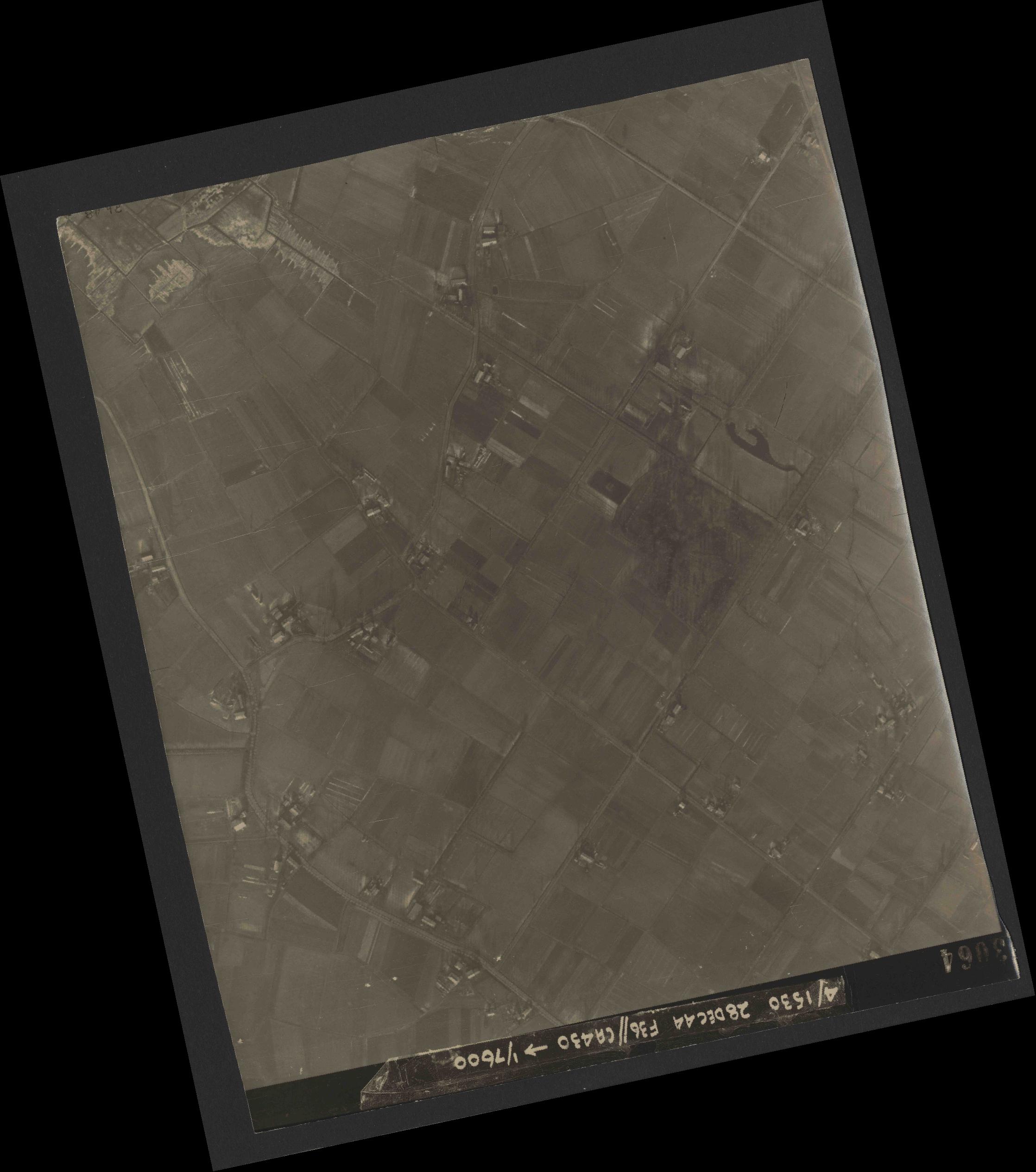 Collection RAF aerial photos 1940-1945 - flight 050, run 06, photo 3064