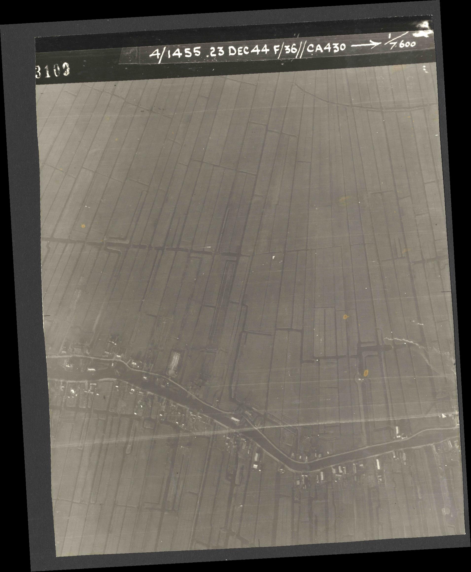 Collection RAF aerial photos 1940-1945 - flight 051, run 03, photo 3109