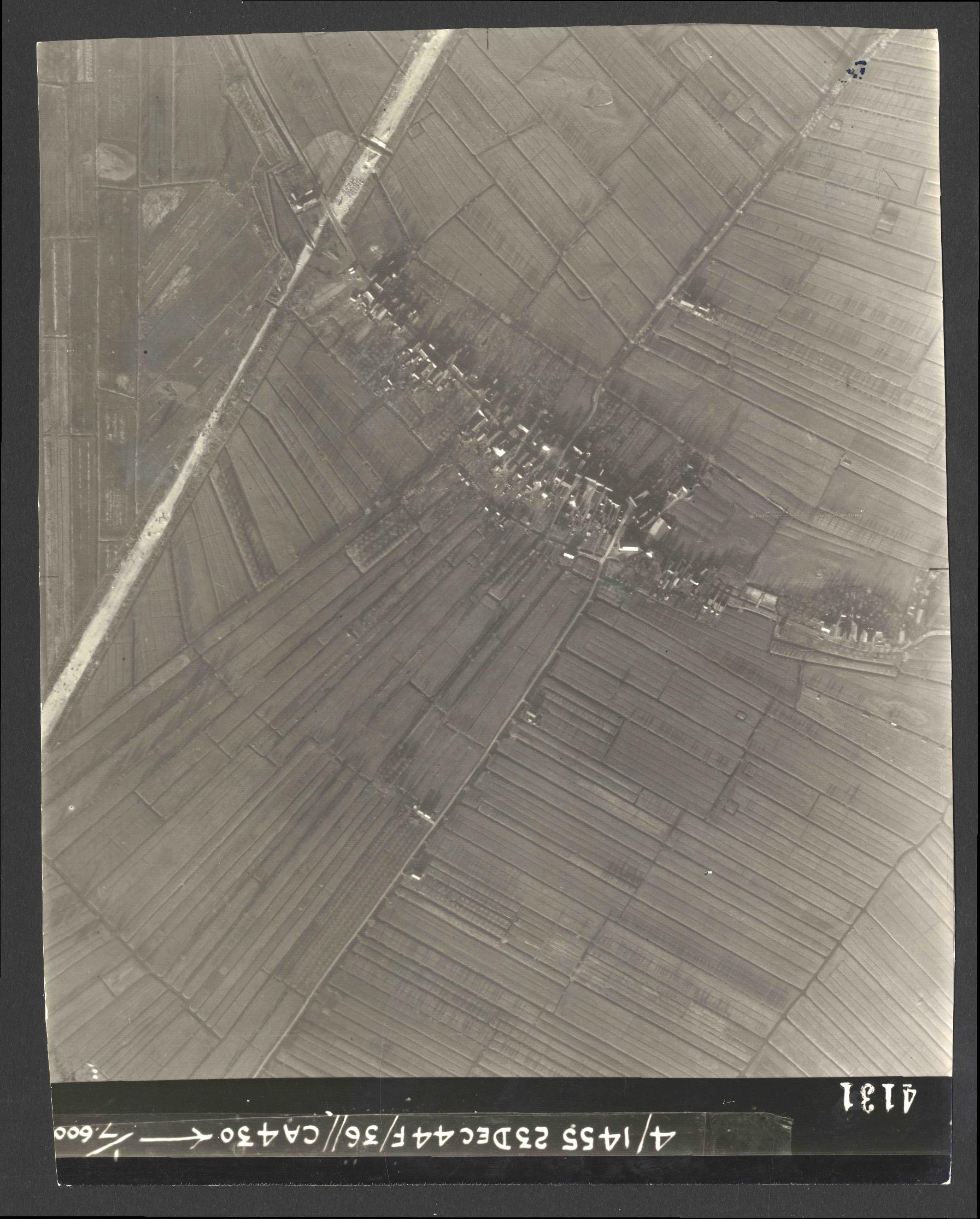Collection RAF aerial photos 1940-1945 - flight 051, run 05, photo 4131