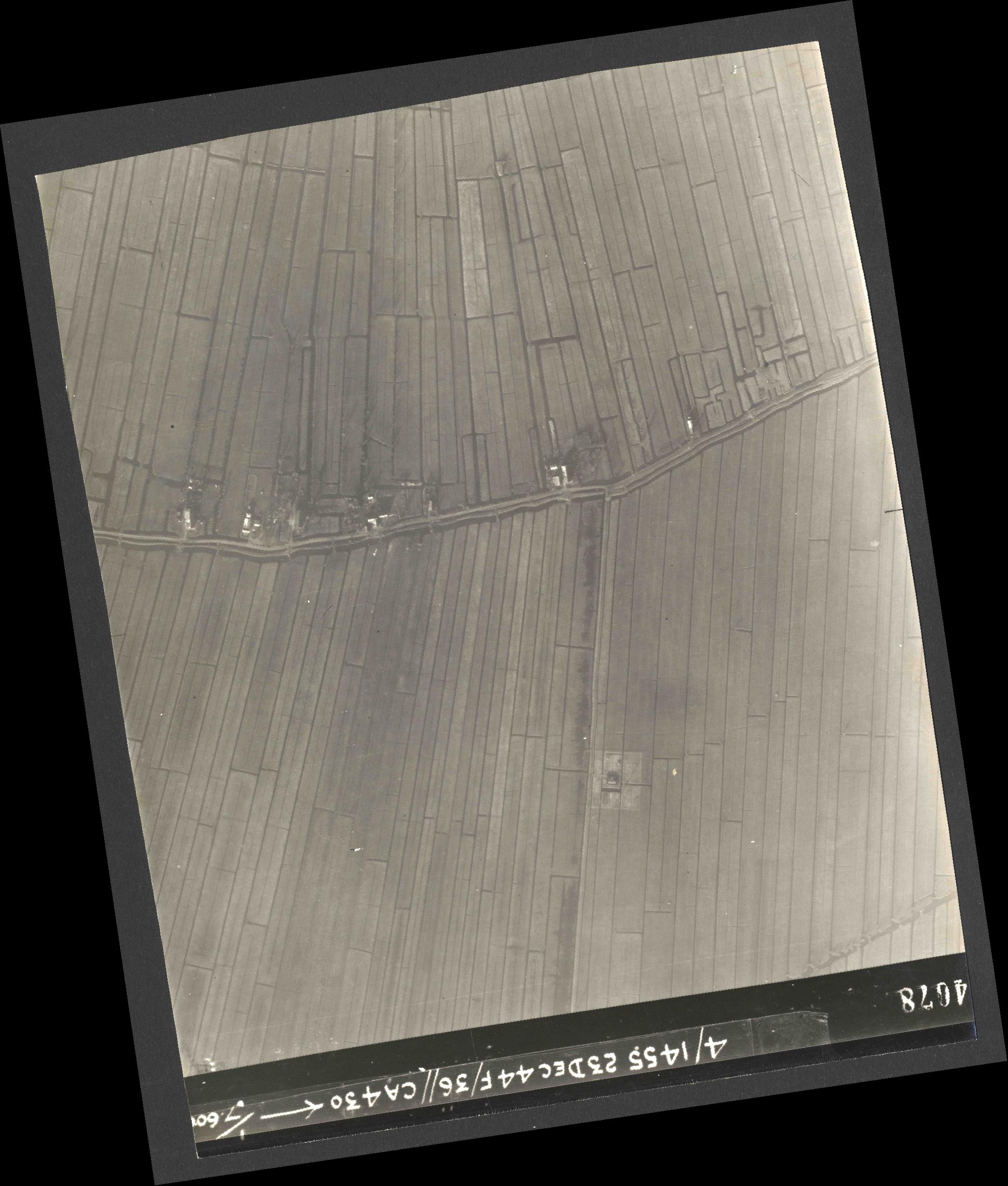 Collection RAF aerial photos 1940-1945 - flight 051, run 06, photo 4078