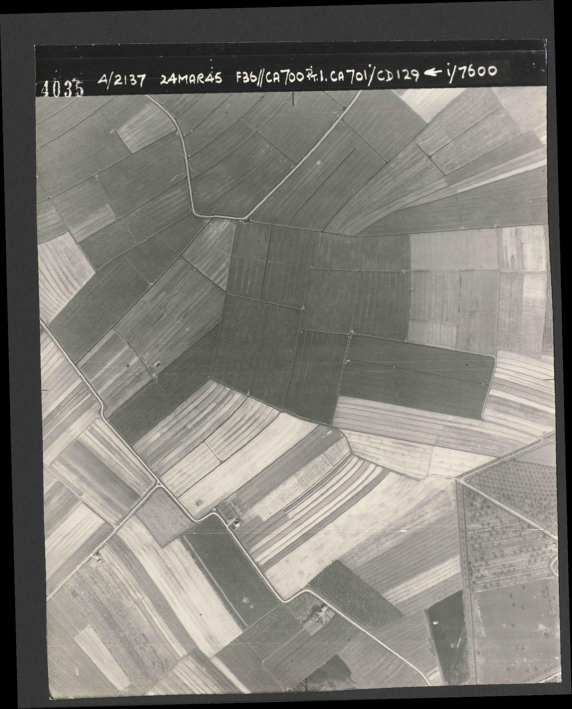 Collection RAF aerial photos 1940-1945 - flight 054, run 01, photo 4035