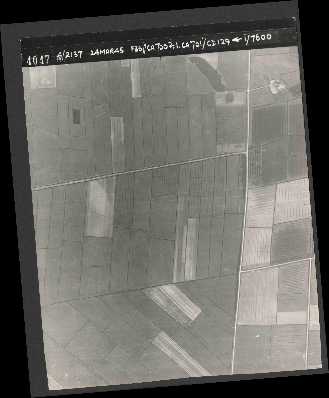 Collection RAF aerial photos 1940-1945 - flight 054, run 01, photo 4047