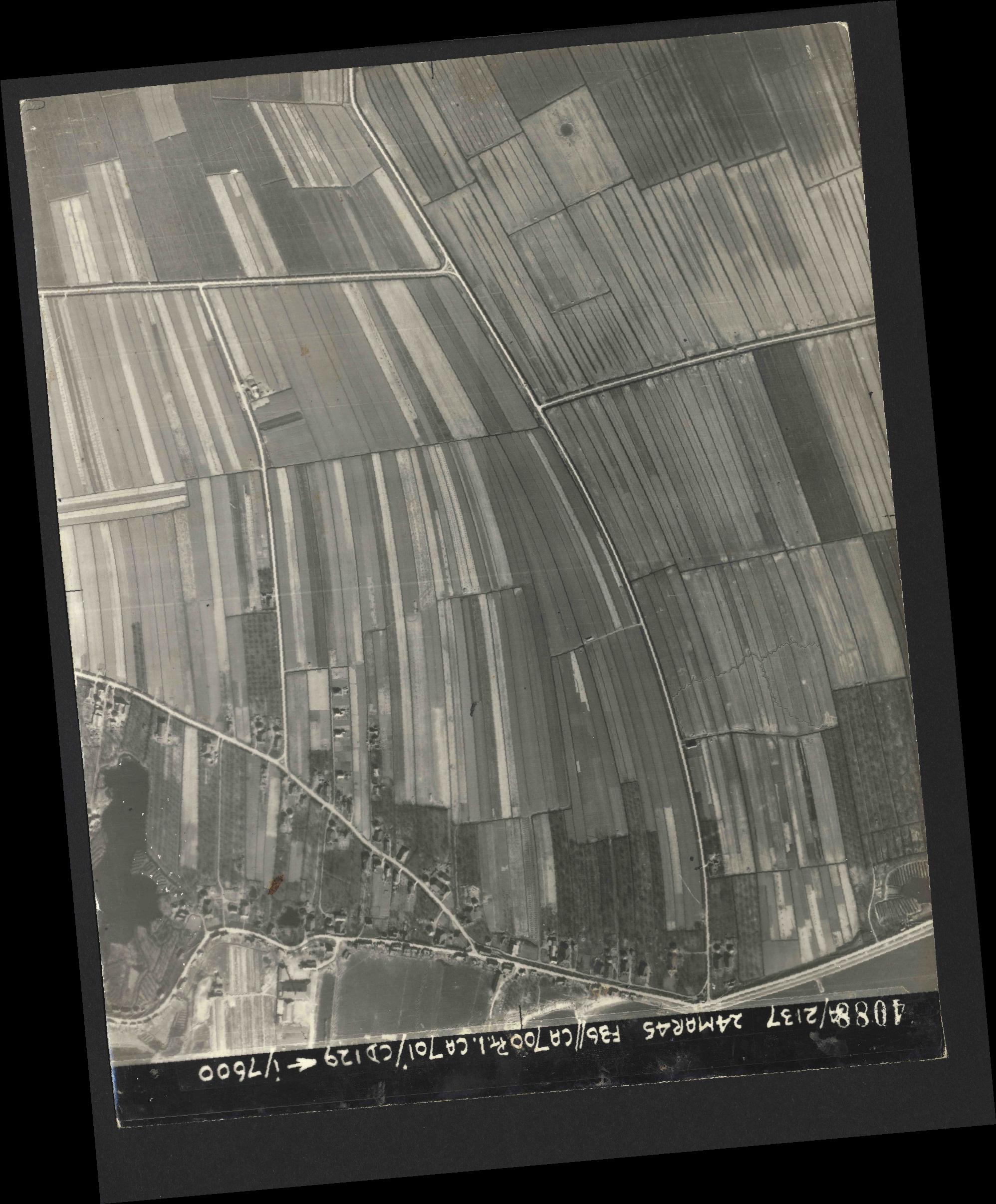 Collection RAF aerial photos 1940-1945 - flight 054, run 08, photo 4088