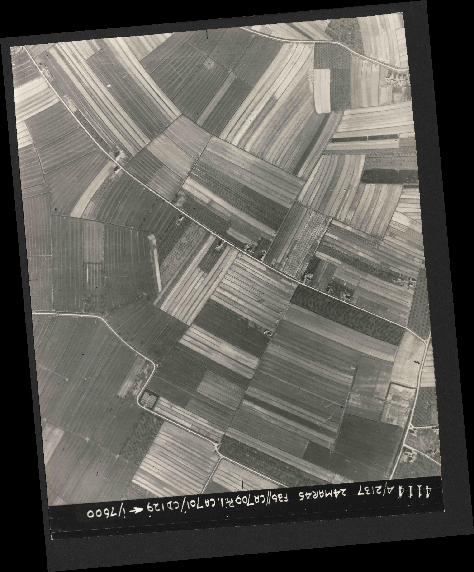 Collection RAF aerial photos 1940-1945 - flight 054, run 08, photo 4114
