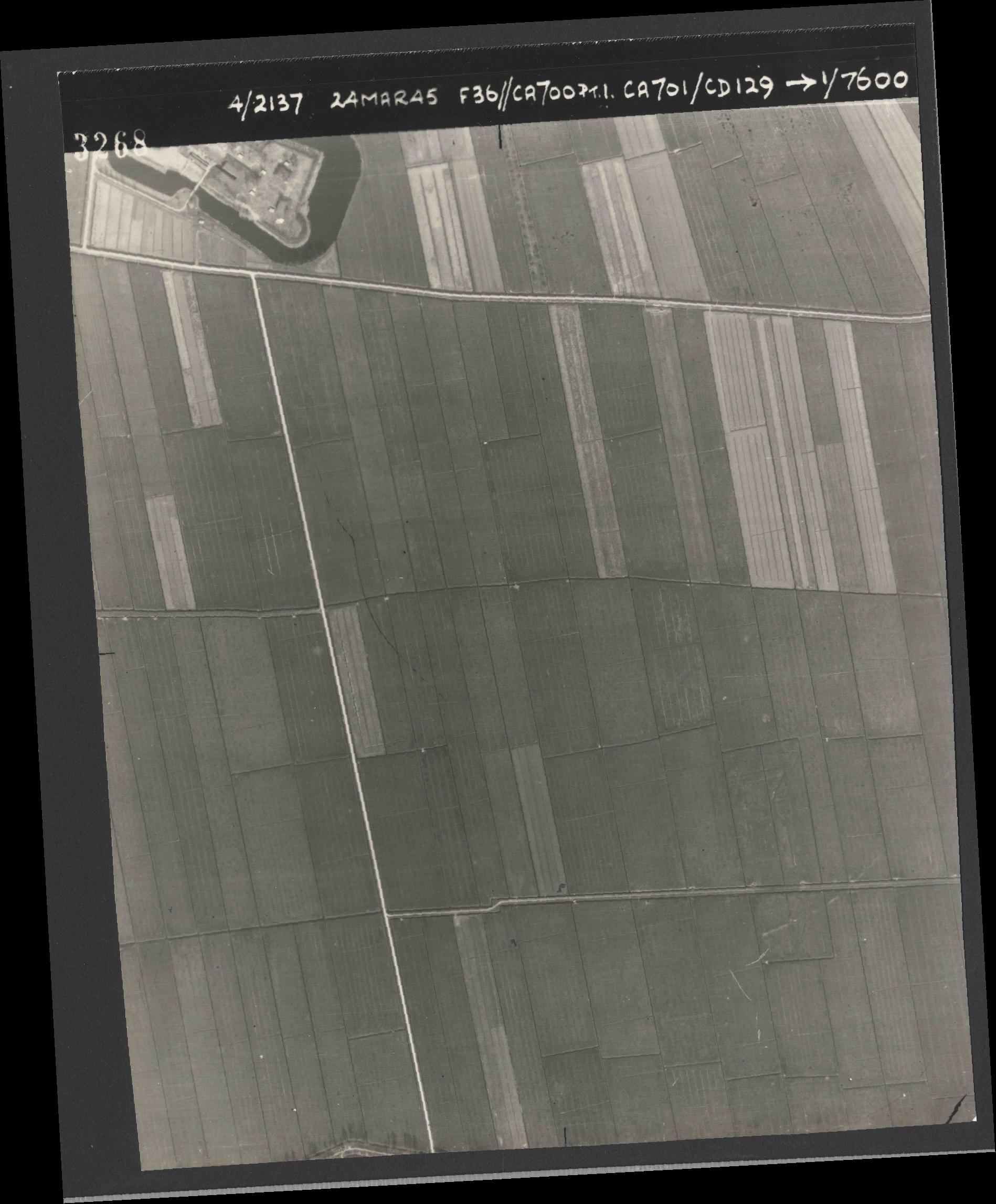 Collection RAF aerial photos 1940-1945 - flight 054, run 09, photo 3268