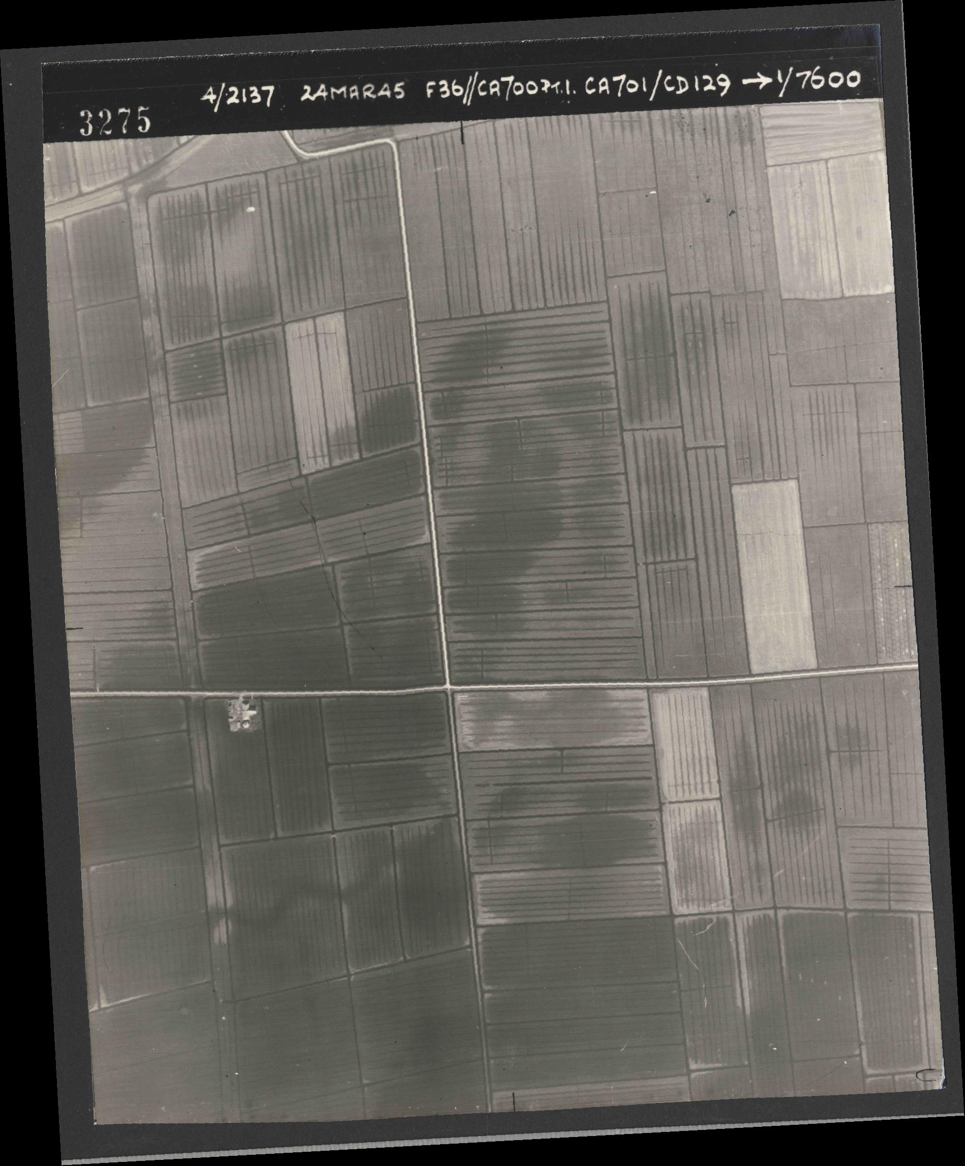 Collection RAF aerial photos 1940-1945 - flight 054, run 09, photo 3275