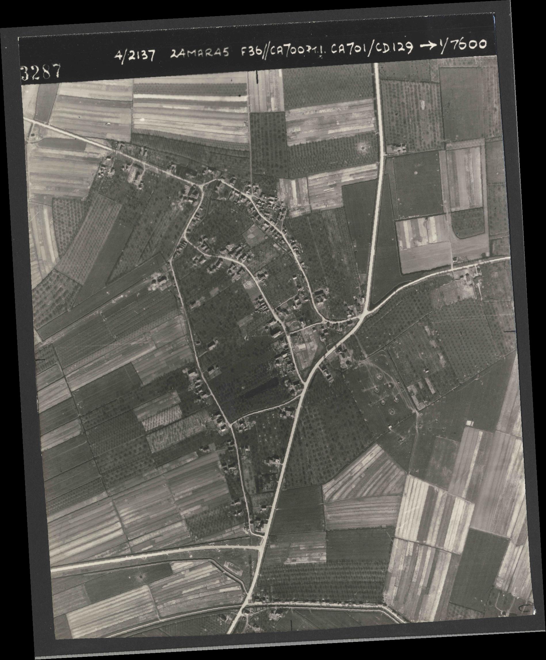 Collection RAF aerial photos 1940-1945 - flight 054, run 09, photo 3287