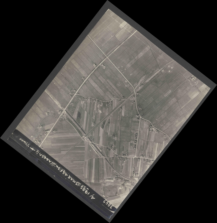 Collection RAF aerial photos 1940-1945 - flight 059, run 02, photo 3082